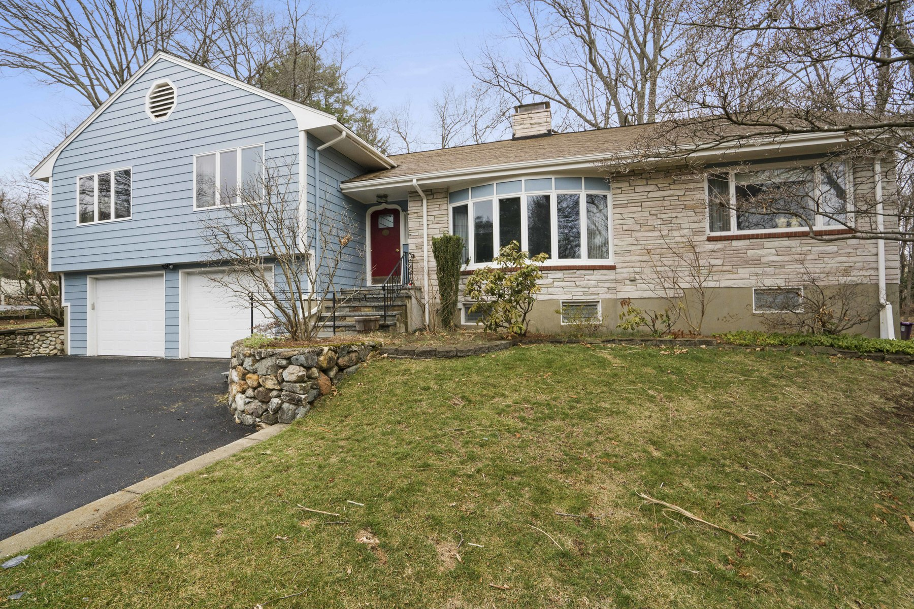Single Family Home for Sale at Expansive 9 Room Multi Level Home 9 Taft Drive Winchester, Massachusetts, 01890 United States