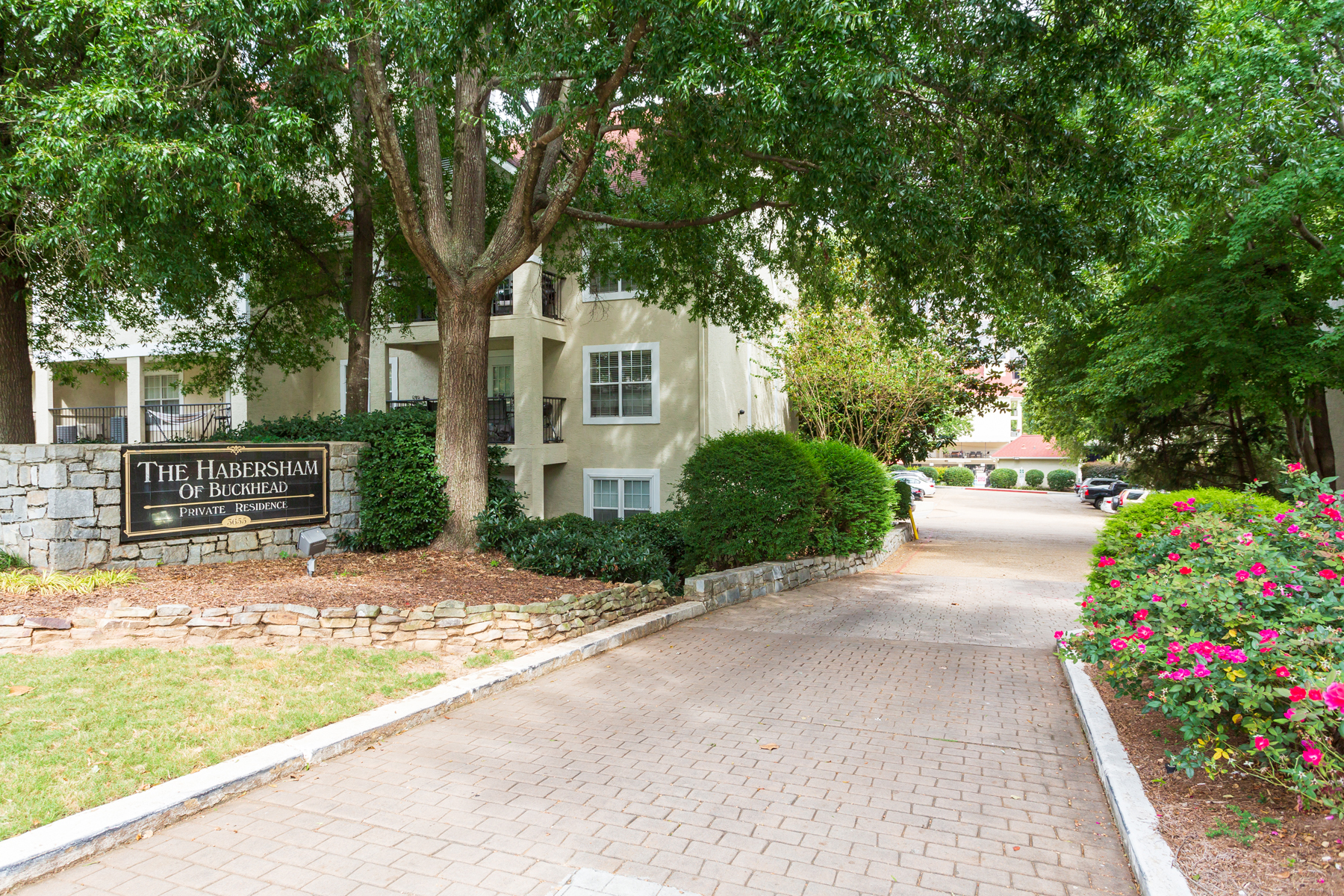 Condominium for Sale at Charming Buckhead Condo 3655 Habersham Road NE No. 202A Atlanta, Georgia 30305 United States