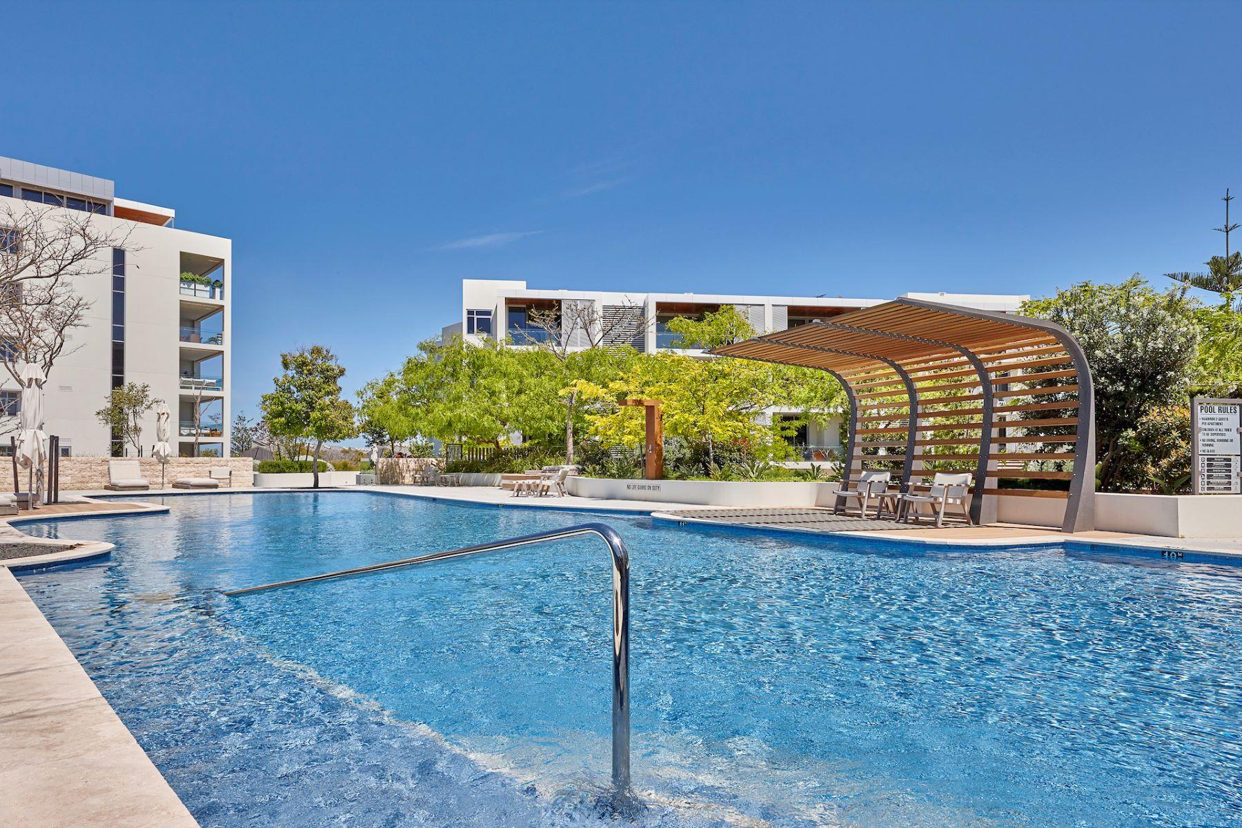 Apartments 为 销售 在 PANORAMIC INDIAN OCEAN VIEWS 18/2 Tasker Place North Fremantle, Western Australia 6159 澳大利亚