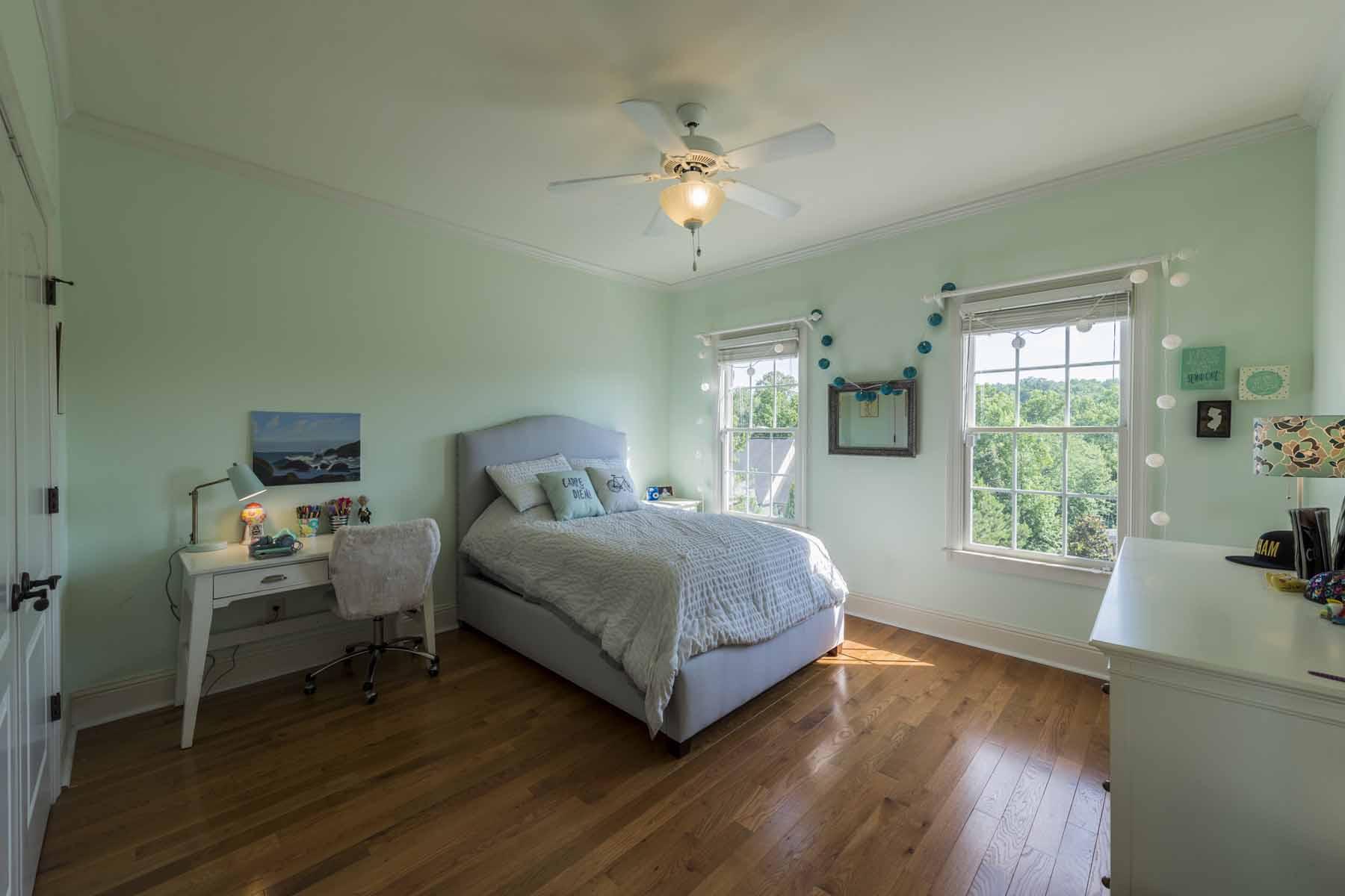 独户住宅 为 销售 在 Your Staycation Destination 200 Inwood Terrace 罗斯威尔, 乔治亚州, 30075 美国
