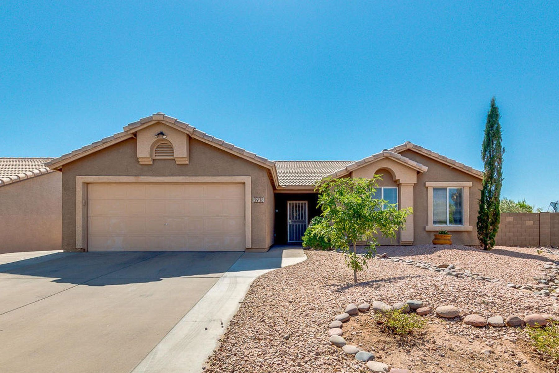 Single Family Homes for Sale at Renaissance Point 1918 S STARDUST DR Apache Junction, Arizona 85120 United States