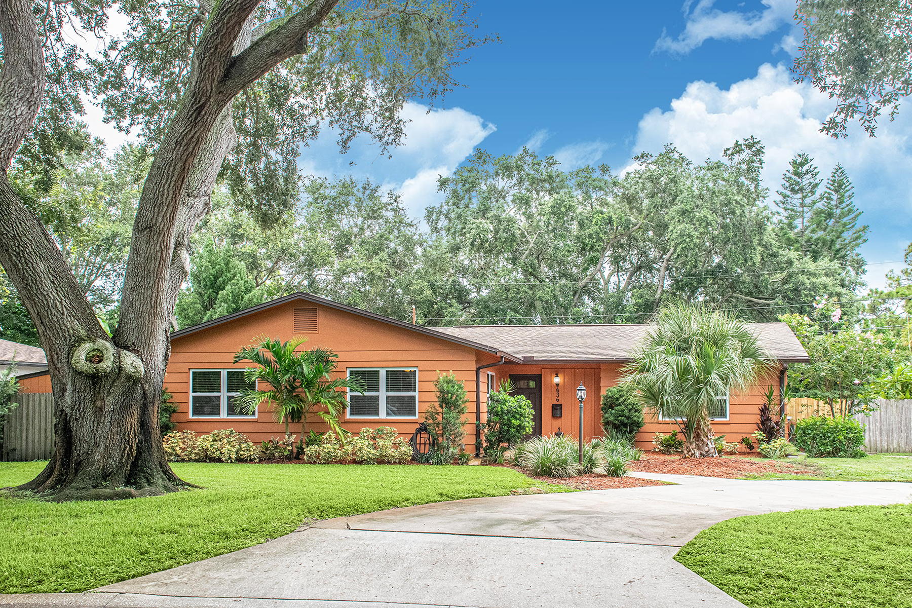 Single Family Homes for Active at 636 Atwood Ave N St. Petersburg, Florida 33702 United States