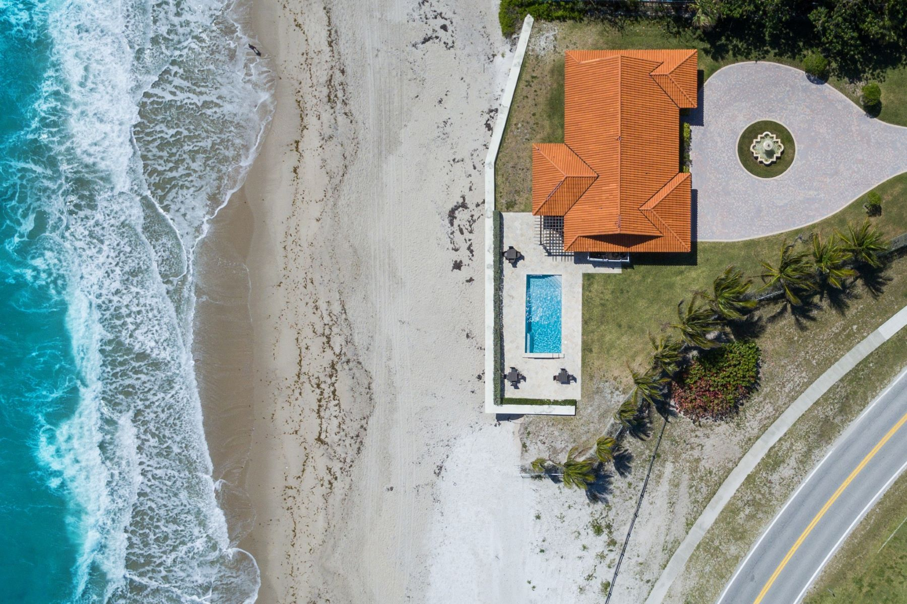 Additional photo for property listing at Vila Floramar 3766 Ocean Drive Vero Beach, Florida 32963 United States