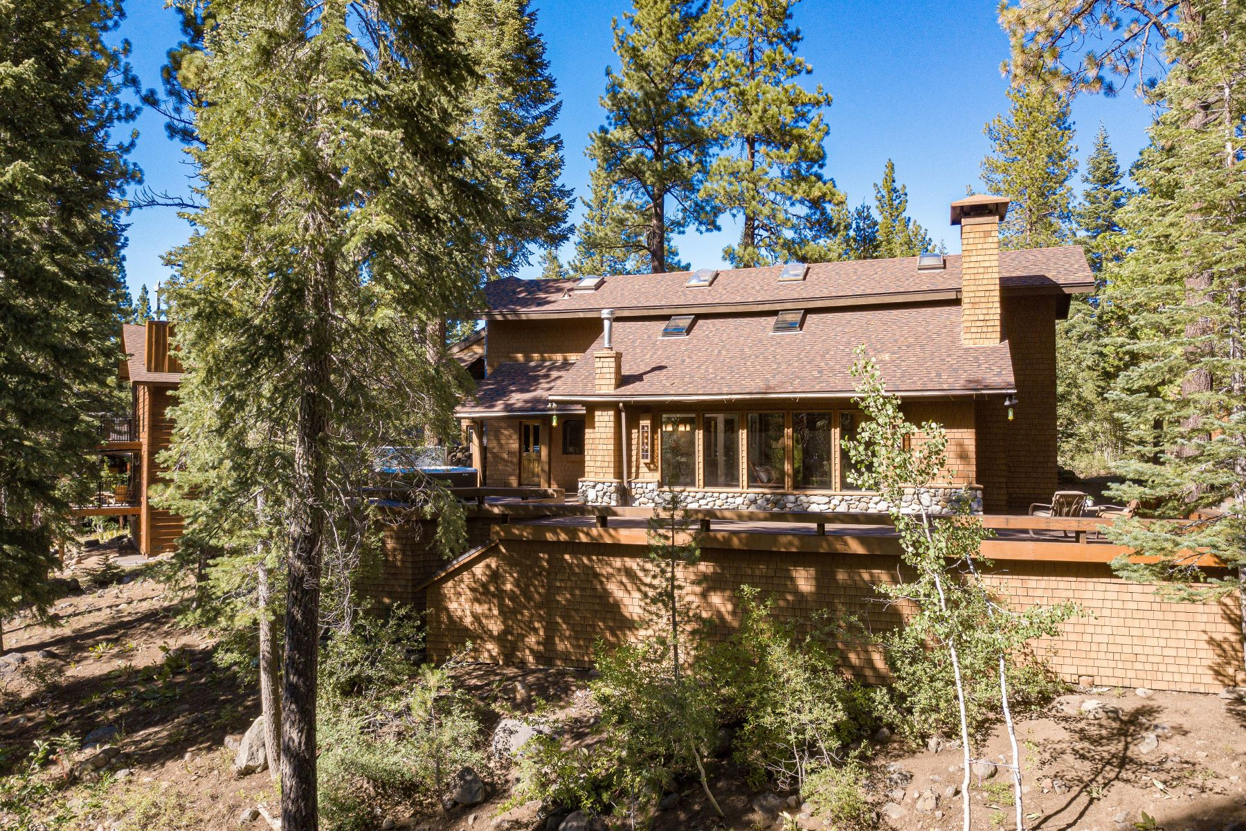 Additional photo for property listing at Northstar Creekside Home 814 Beaver Pond Truckee, California 96161 United States