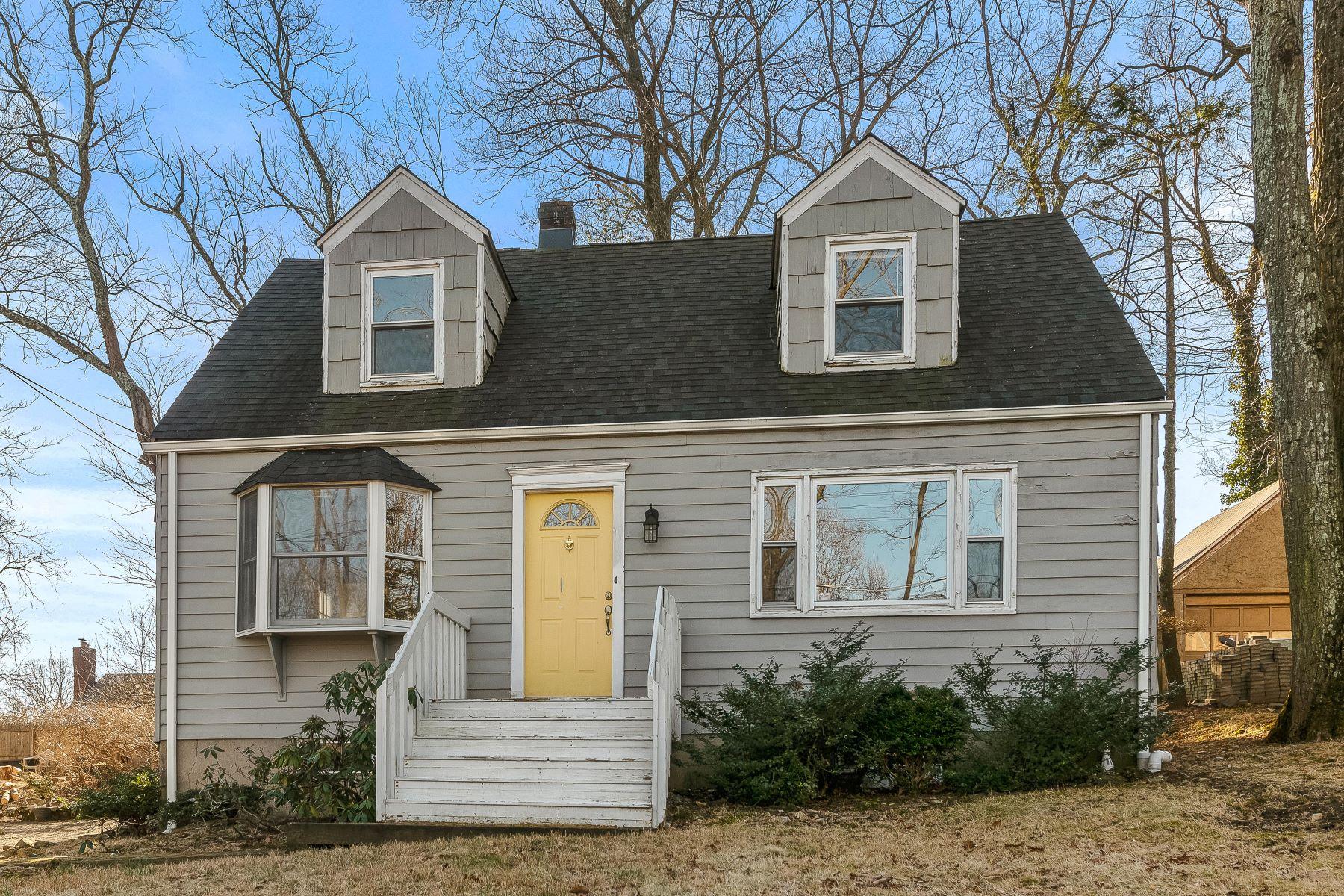Single Family Homes por un Venta en Charming & Updated Colonial 136 Hillcrest Avenue Morris Township, Nueva Jersey 07960 Estados Unidos