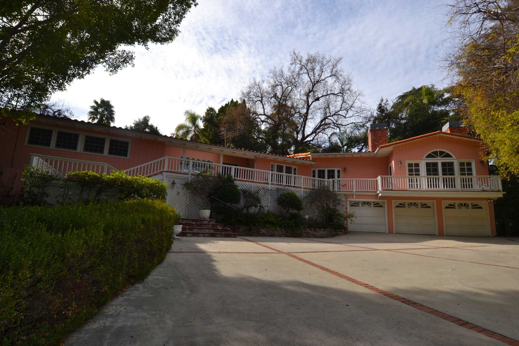 Single Family Homes for Sale at 17030 Rancho Street Encino, California 91316 United States