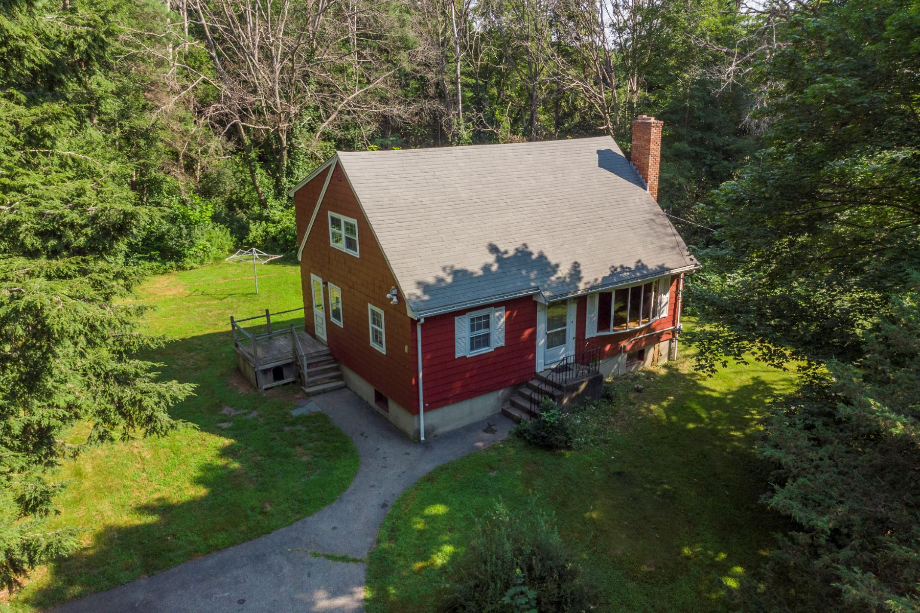 Single Family Homes for Sale at 31 Dudley Road, Billerica 31 Dudley Rd Billerica, Massachusetts 01821 United States