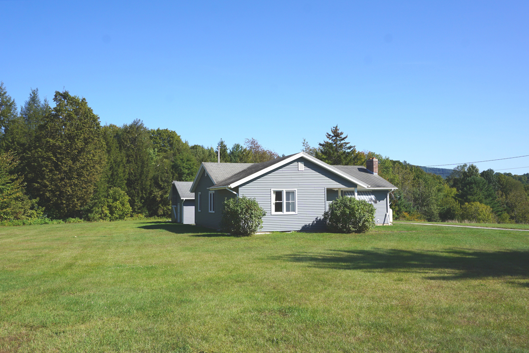 Single Family Homes for Sale at 159 Field Avenue, Pittsford 159 Field Ave Pittsford, Vermont 05763 United States