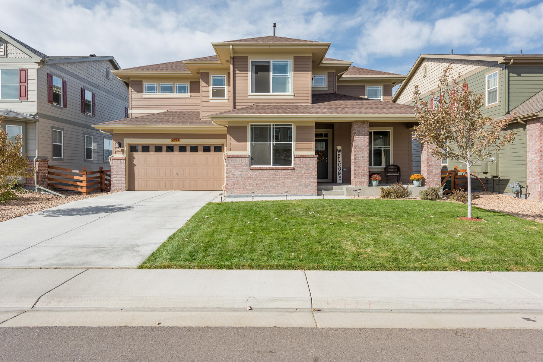 Single Family Homes for Sale at Don't Miss Your Opportunity to Own a FANTASTIC Home in a Fantastic Location! 4777 S Sicily Street Aurora, Colorado 80015 United States