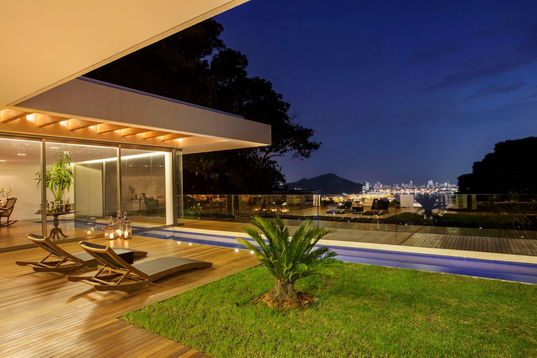 Maison unifamiliale pour l Vente à Incomparable Views Rua Caio de Melo Franco Rio De Janeiro, Rio De Janeiro, 22461-190 Brésil