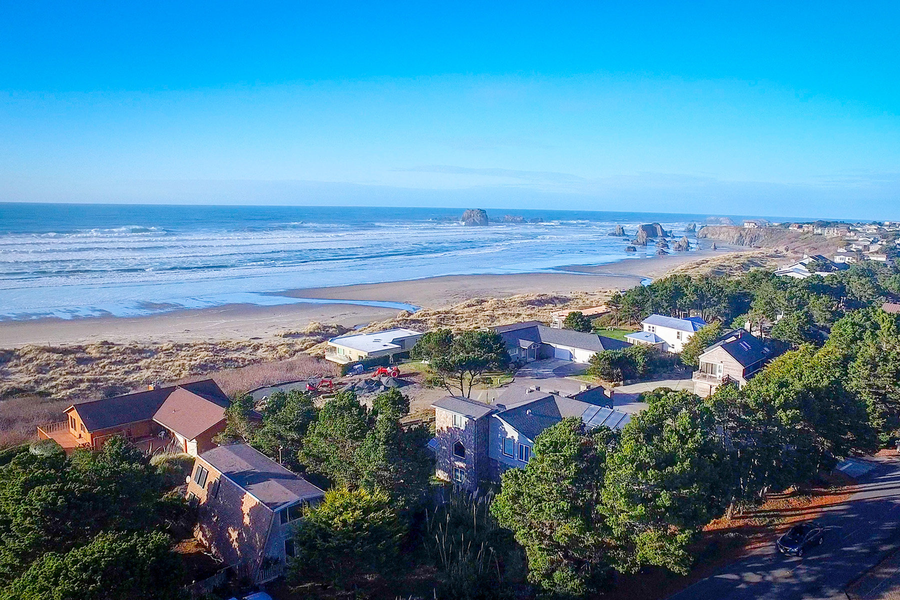 Single Family Home for Sale at Inviting Ocean View Villa 3177 Beach Loop Drive, Bandon, Oregon, 97411 United States