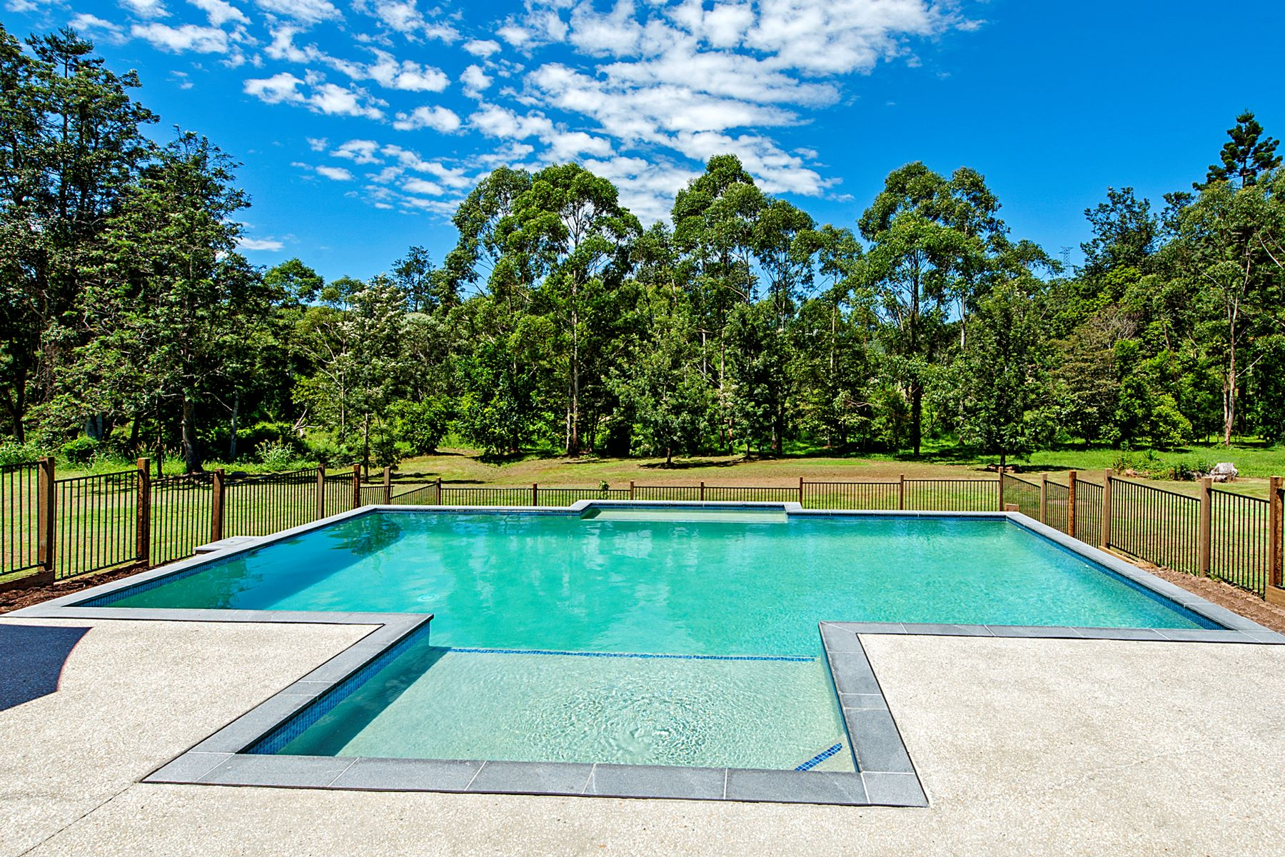 Multi-Family Home for Sale at 18 Del Court, Wongawallan Qld 4210 Gold Coast, Queensland, 4210 Australia