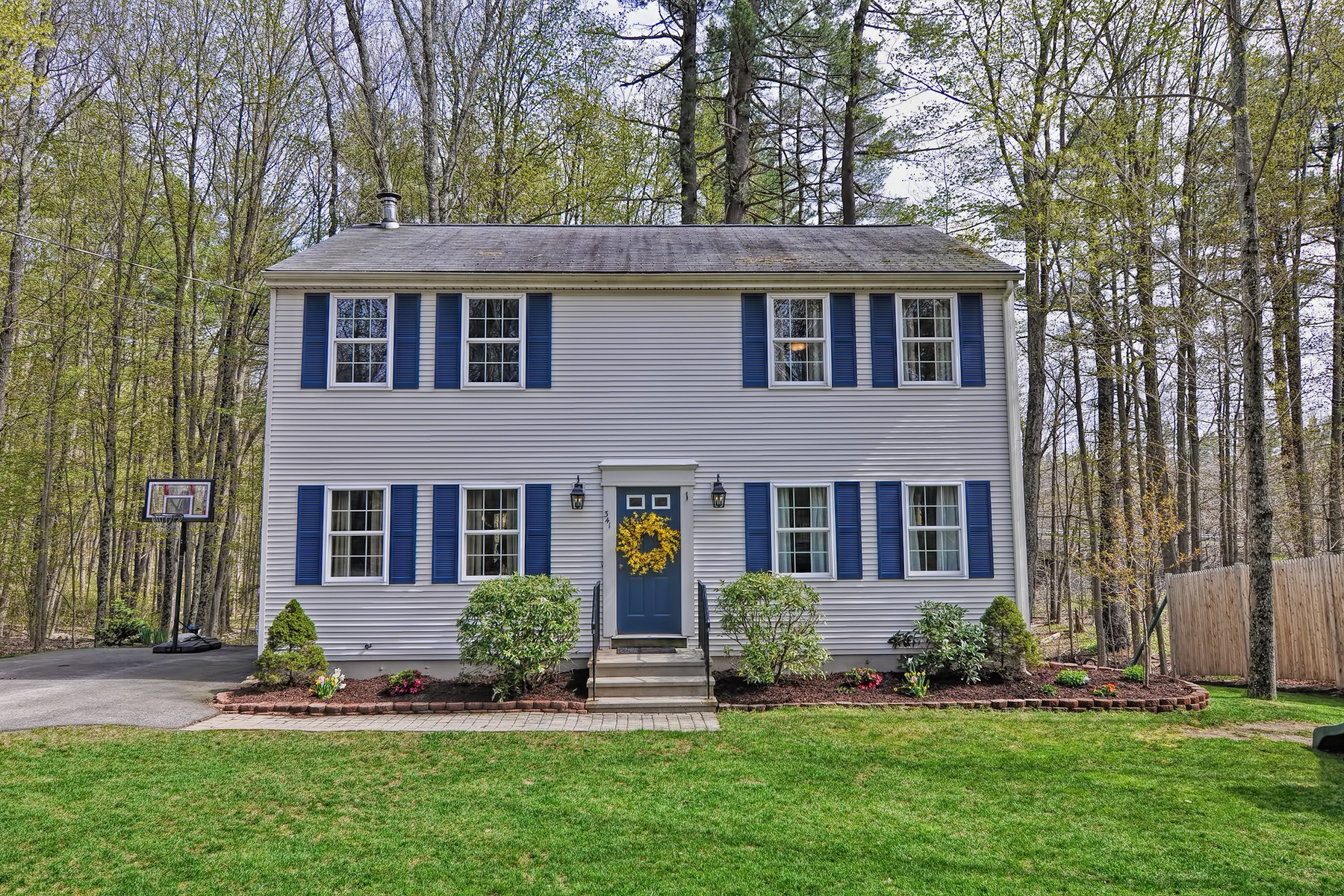 Single Family Home for Sale at Fantastic Colonial 341 The Trail Sturbridge, Massachusetts, 01518 United States