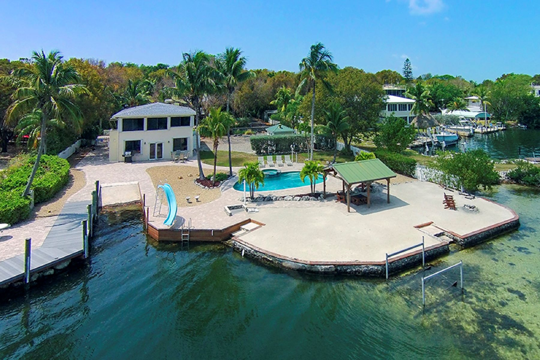 獨棟家庭住宅 為 出租 在 Tropical Island Living 300 Buttonwood Shores Drive Key Largo, 佛羅里達州 33037 美國