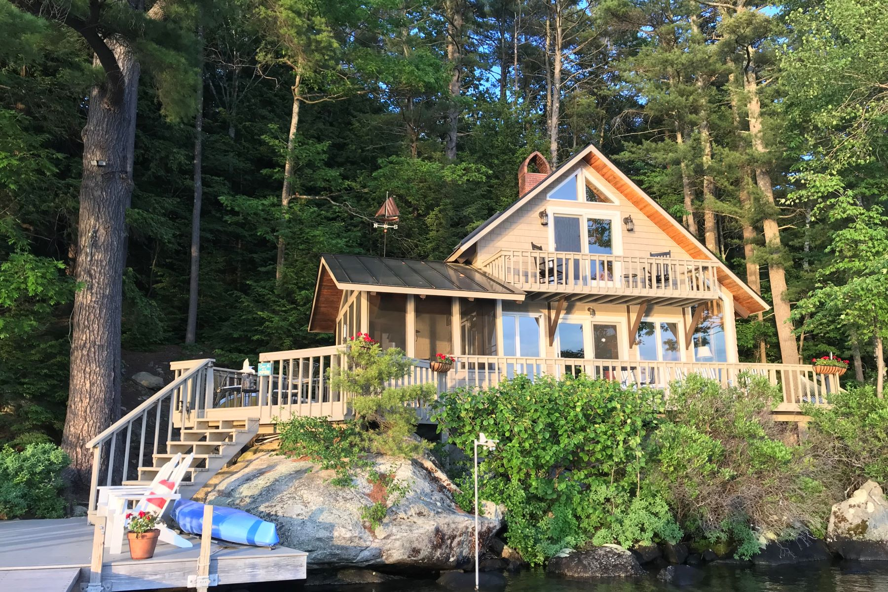 Single Family Homes для того Продажа на 12 Great Island, Sunapee Sunapee, Нью-Гэмпшир 03782 Соединенные Штаты