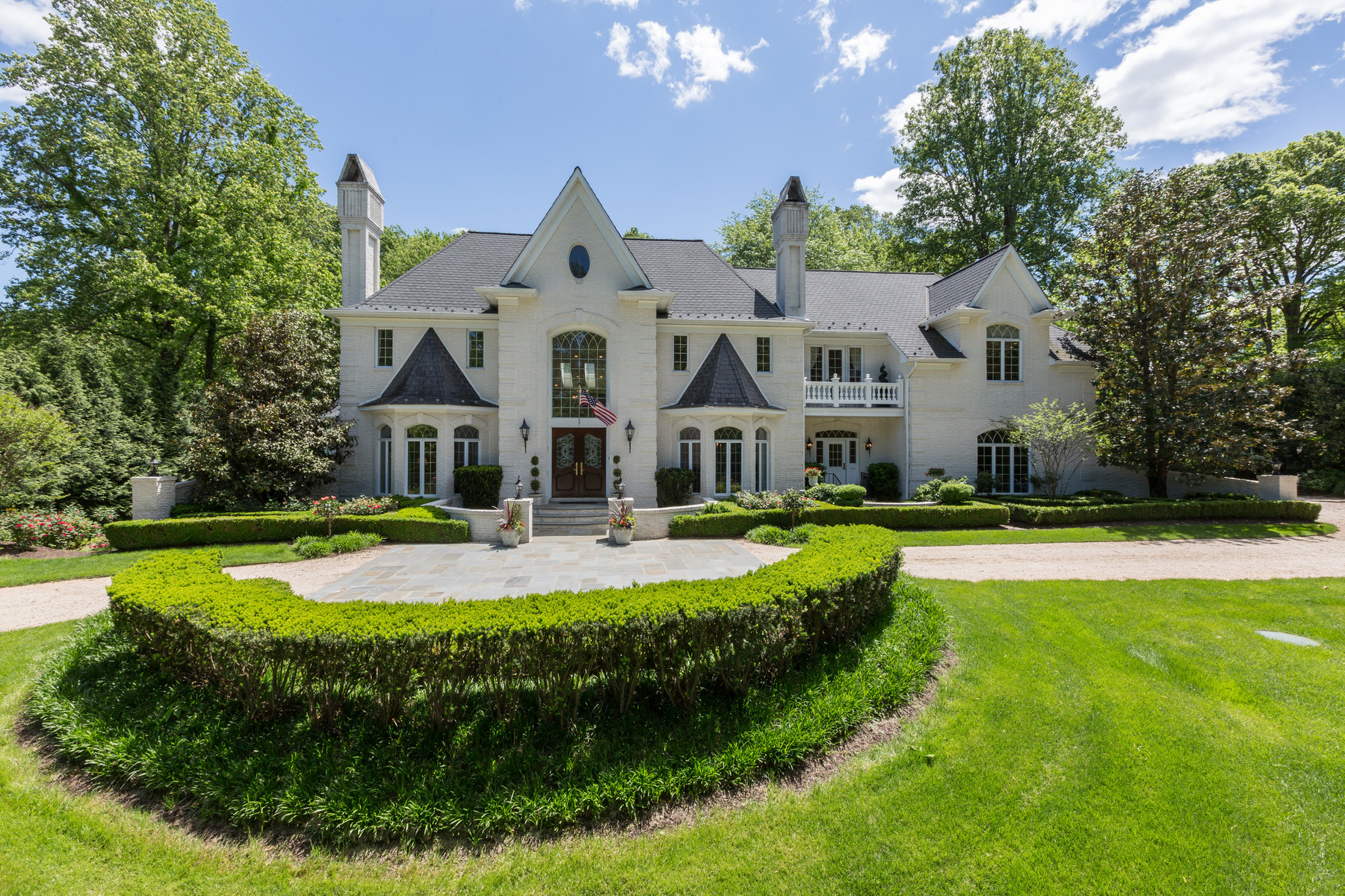 Maison unifamiliale pour l Vente à 1031 Towlston Road, Mclean 1031 Towlston Rd McLean, Virginia, 22102 États-Unis