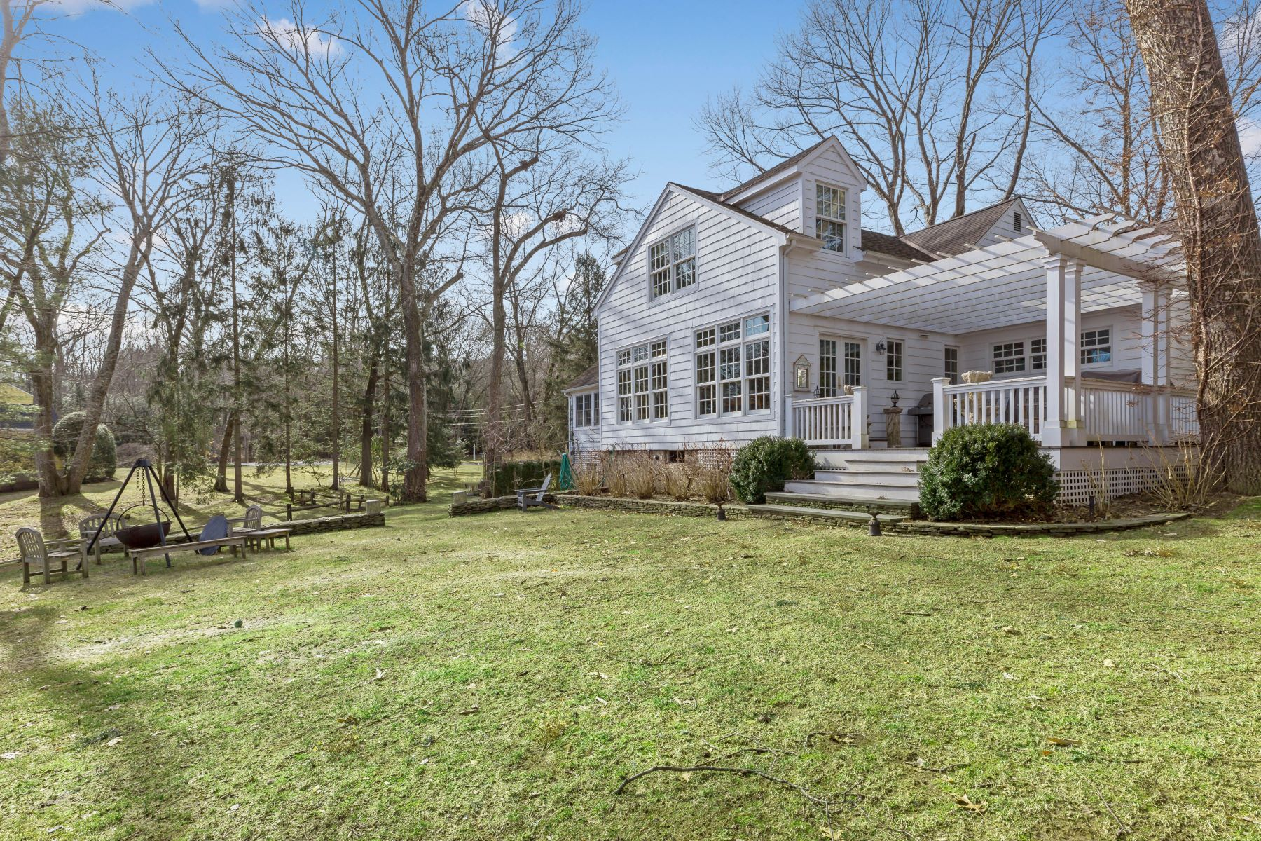 Additional photo for property listing at LIVE Timeless 24 Cartway Lane East Bedford, New York 10506 United States