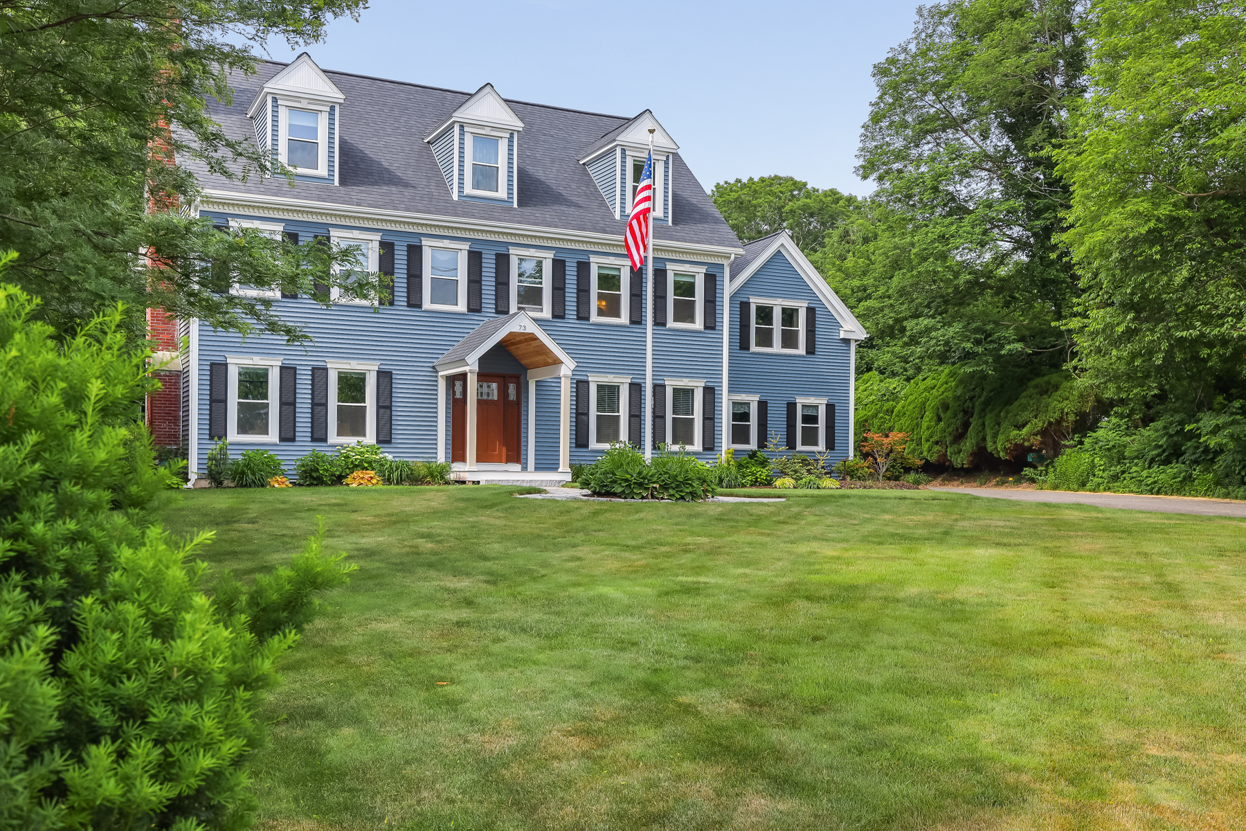 Single Family Homes 为 销售 在 73 C Warren Avenue 普利茅斯, 马萨诸塞州 02360 美国