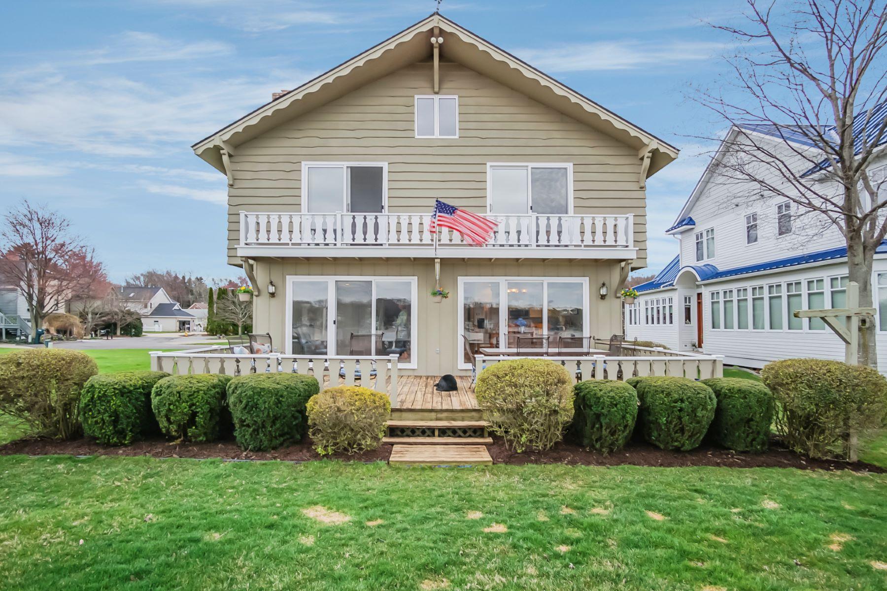 一戸建て のために 売買 アット Harmonious Lake Macatawa Residence 1335 Bayview Drive Holland, ミシガン, 49423 アメリカ合衆国