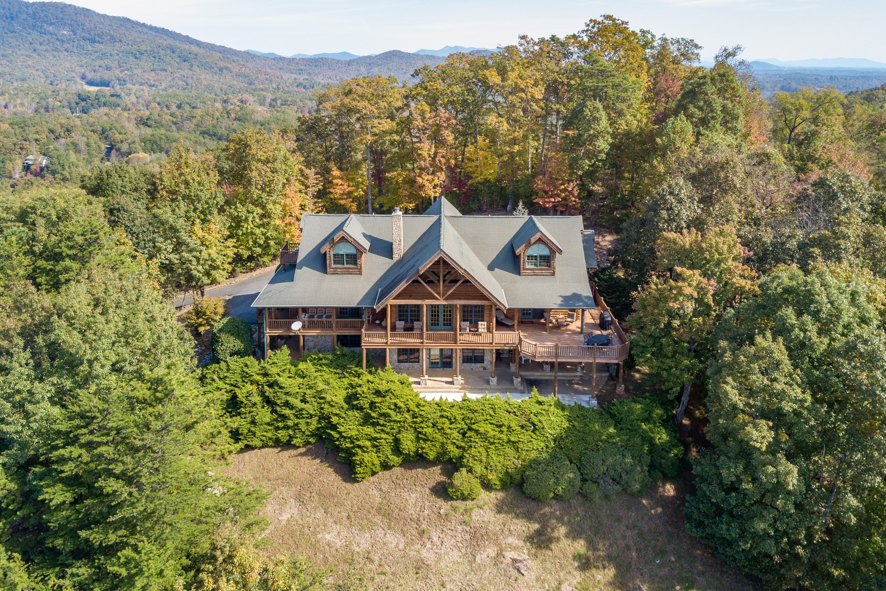 Single Family Homes for Active at 166 Eagles Crest Way in Lake Lure, NC 166 Eagles Crest Way Lake Lure, North Carolina 28746 United States