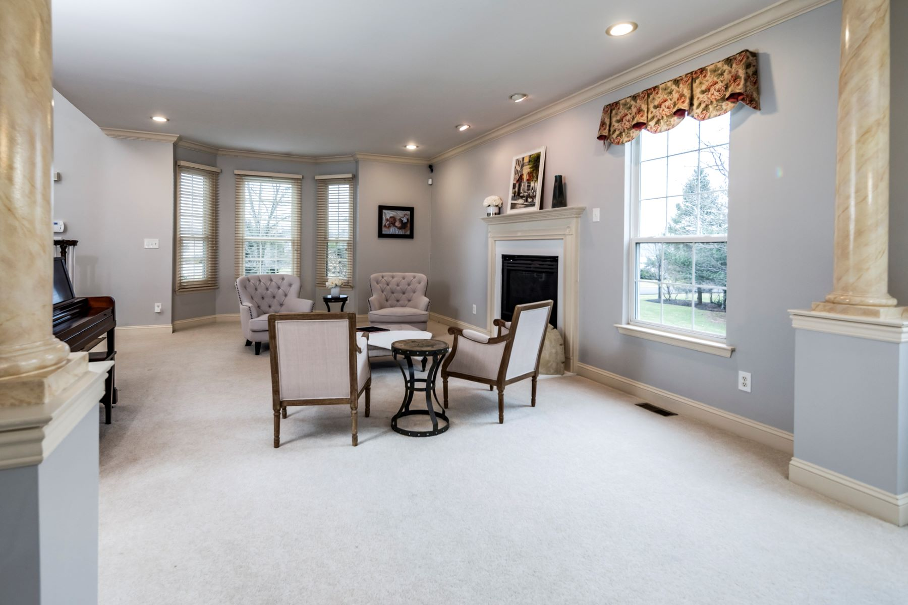 Additional photo for property listing at Spaciousness and Beauty Meet Efficiency 33 Mattawang Drive, Somerset, New Jersey 08873 United States