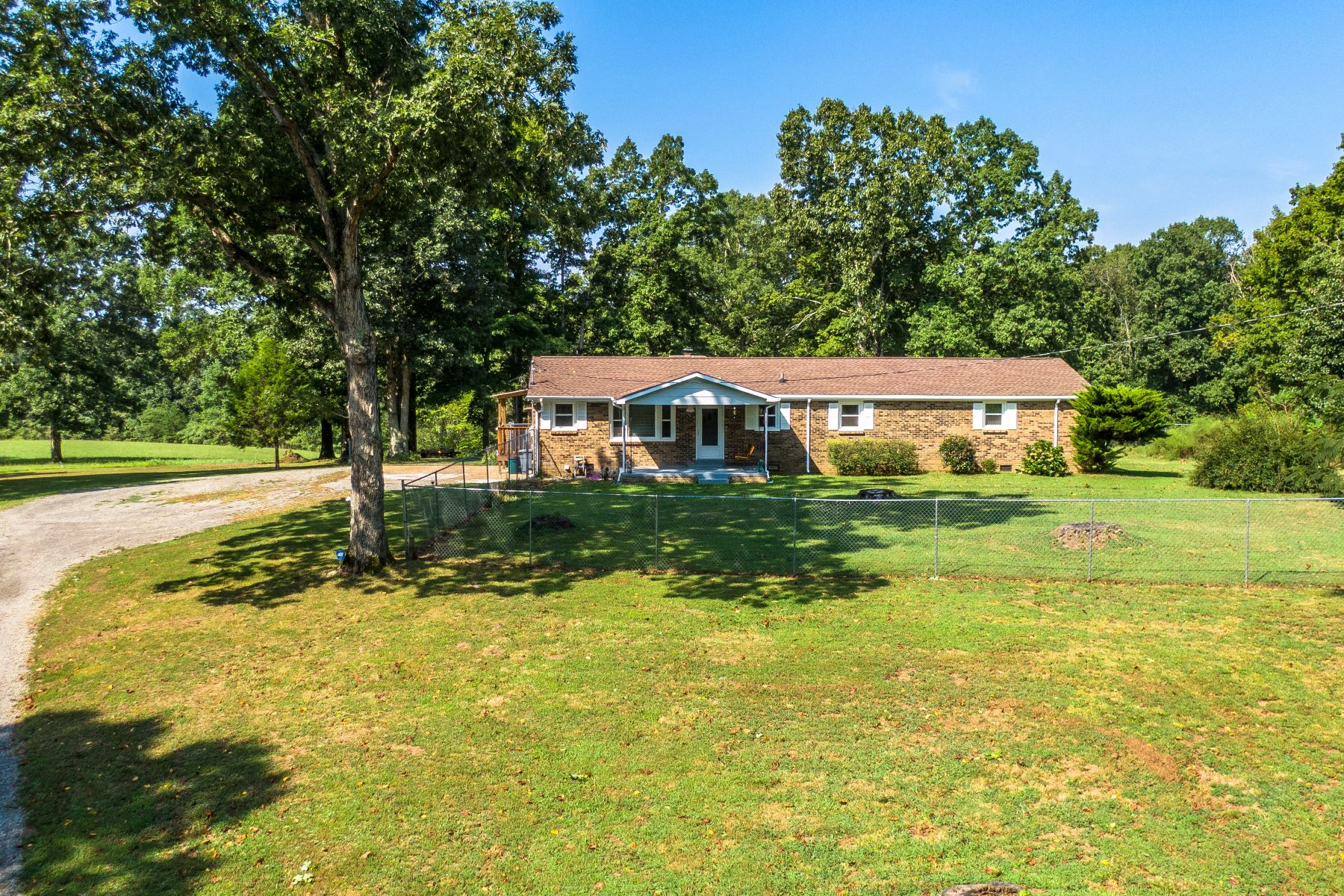 Single Family Homes for Active at Convenient Country Living 9496 Old Locust Creek Road Bon Aqua, Tennessee 37025 United States