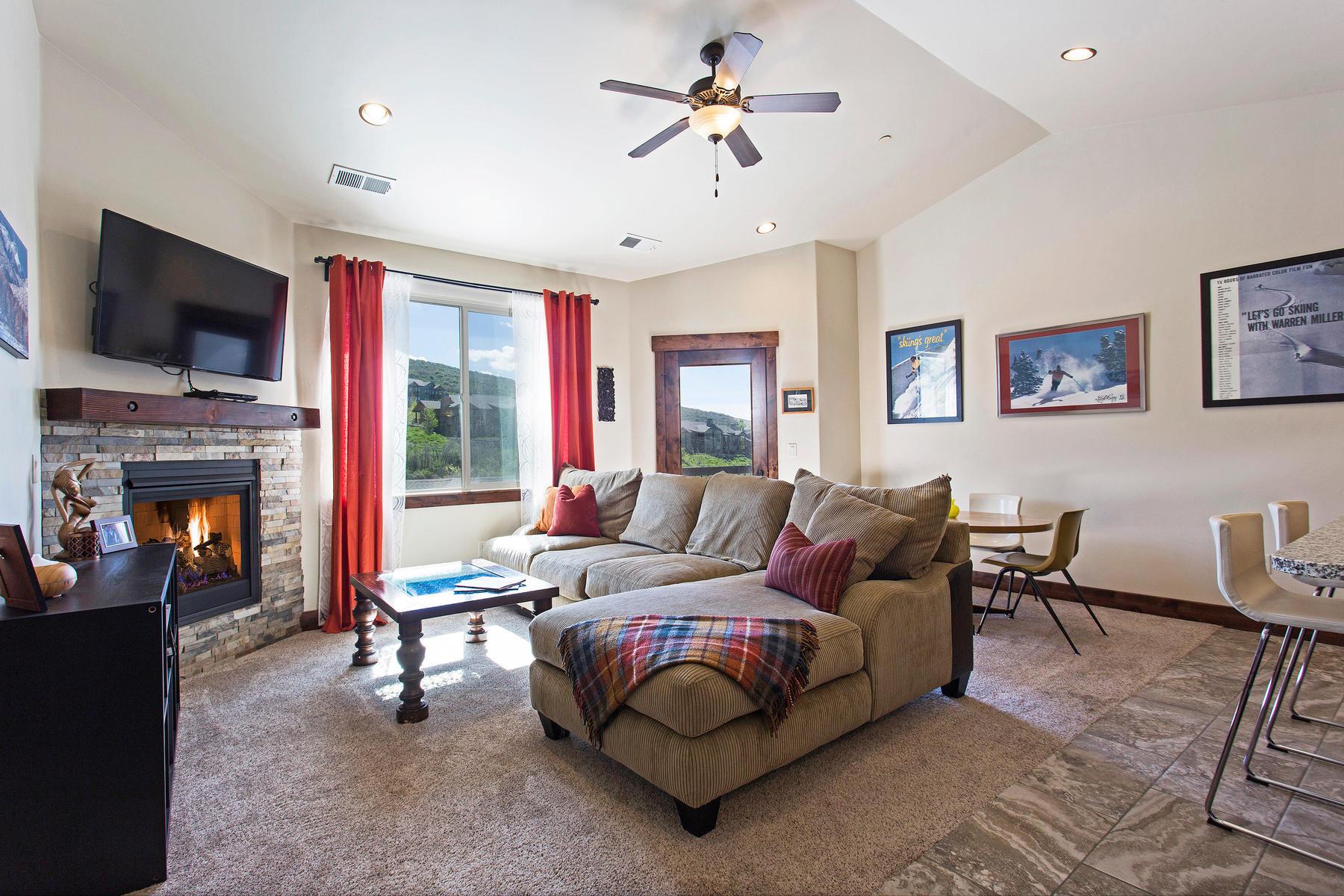 Copropriété pour l Vente à Luxury Top-Floor Condo Minutes from Park City 14275 N Buck Horn Trl #P Heber City, Utah, 84032 États-Unis