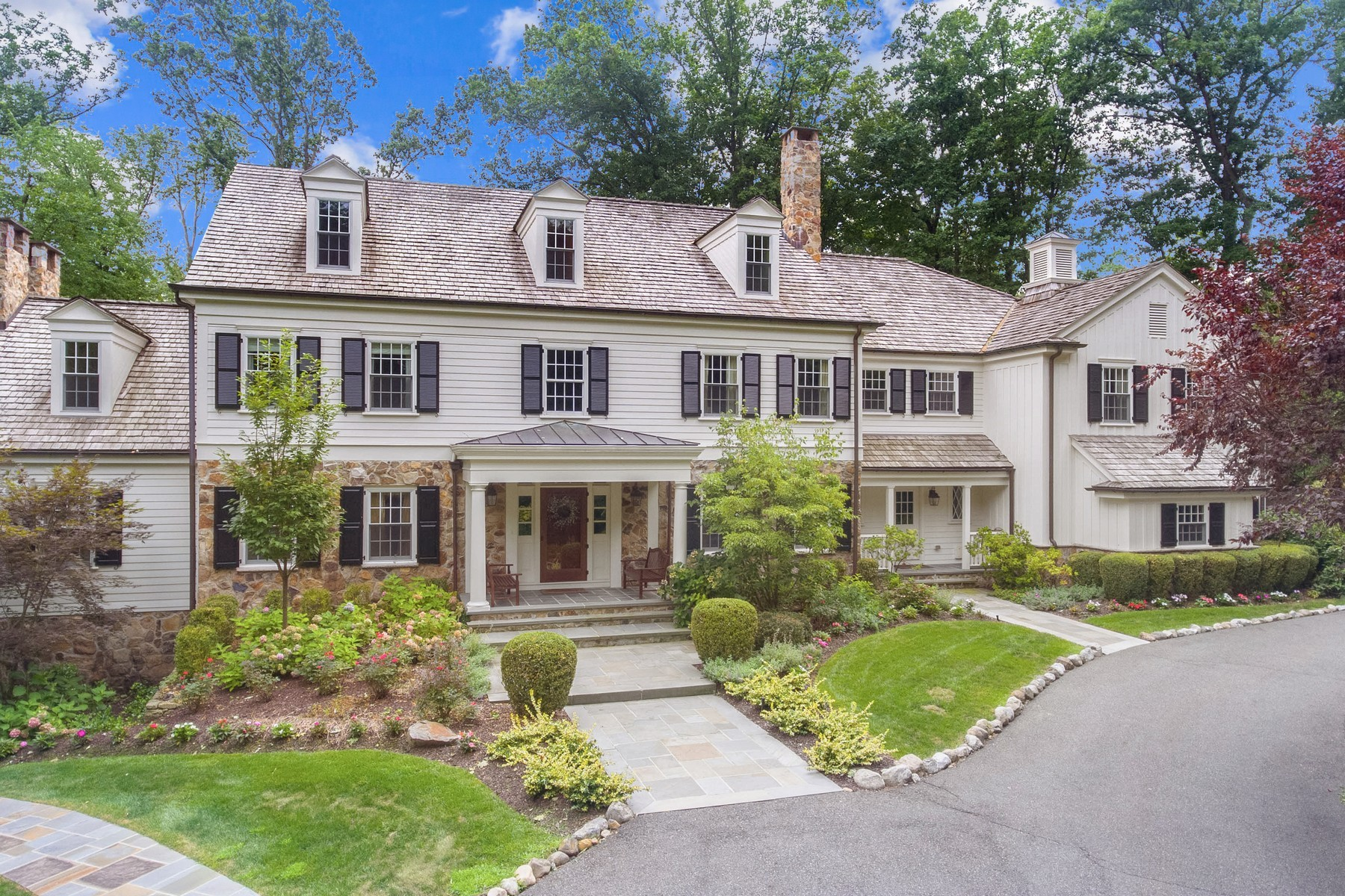 Single Family Homes 為 出售 在 Perfect In Every Way! 10 Hawthorne, Essex Fells, 新澤西州 07021 美國