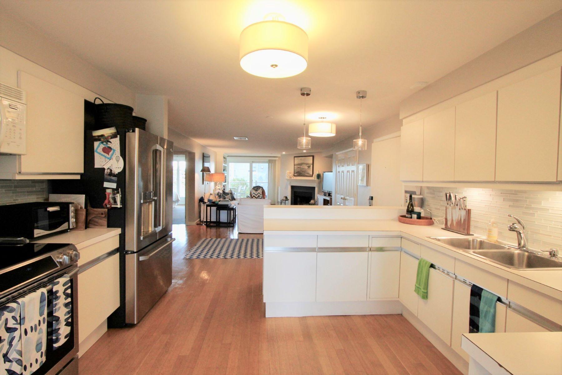Additional photo for property listing at Coddington Landing 31 Coddington Wharf 22 Newport, Rhode Island 02840 United States