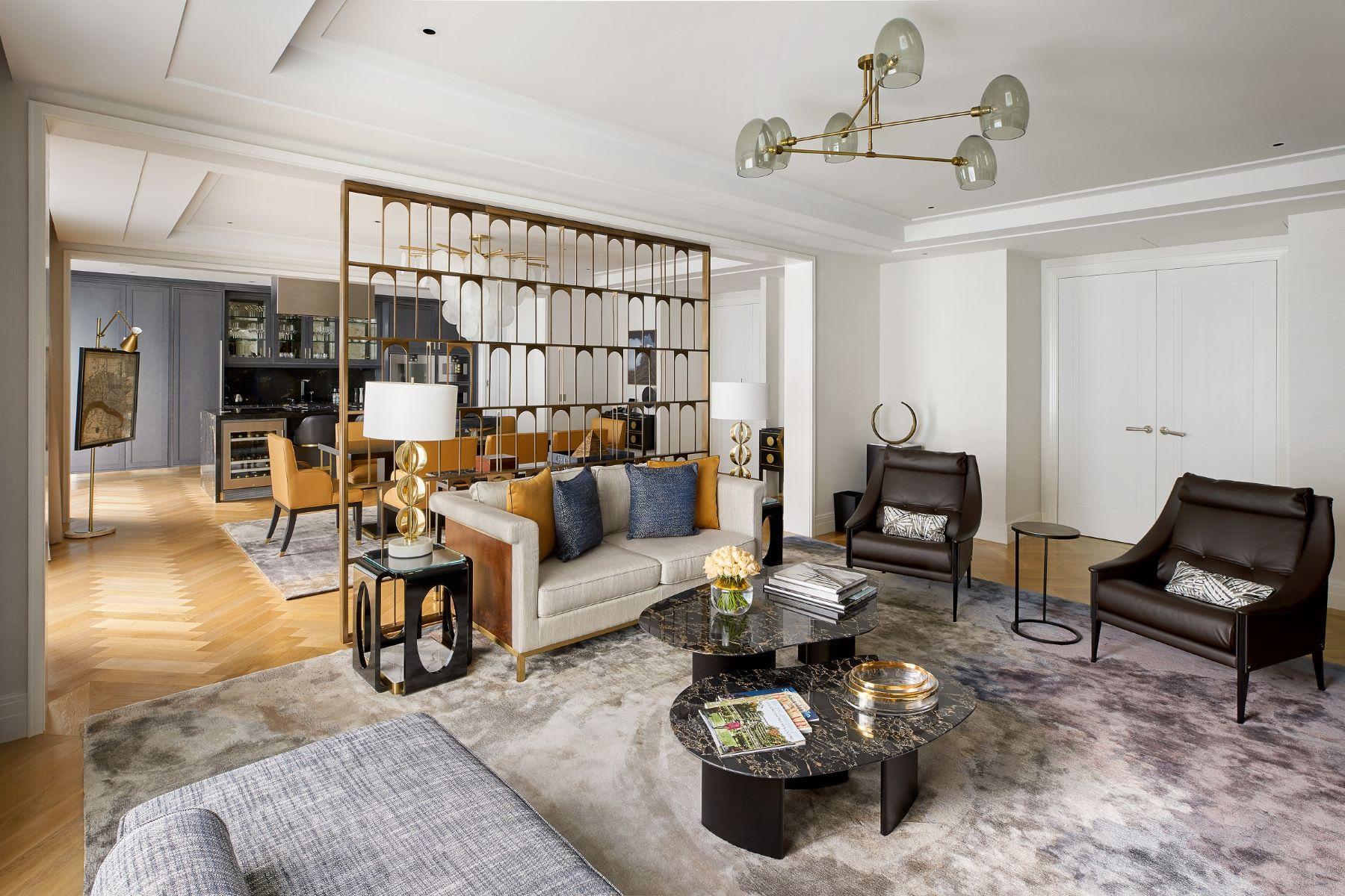 Apartments para Alugar às Trinity Square, Tower Hill, EC3N 10 Trinity Sqquare Tower Hill Londres, Inglaterra EC3N 4AJ Reino Unido