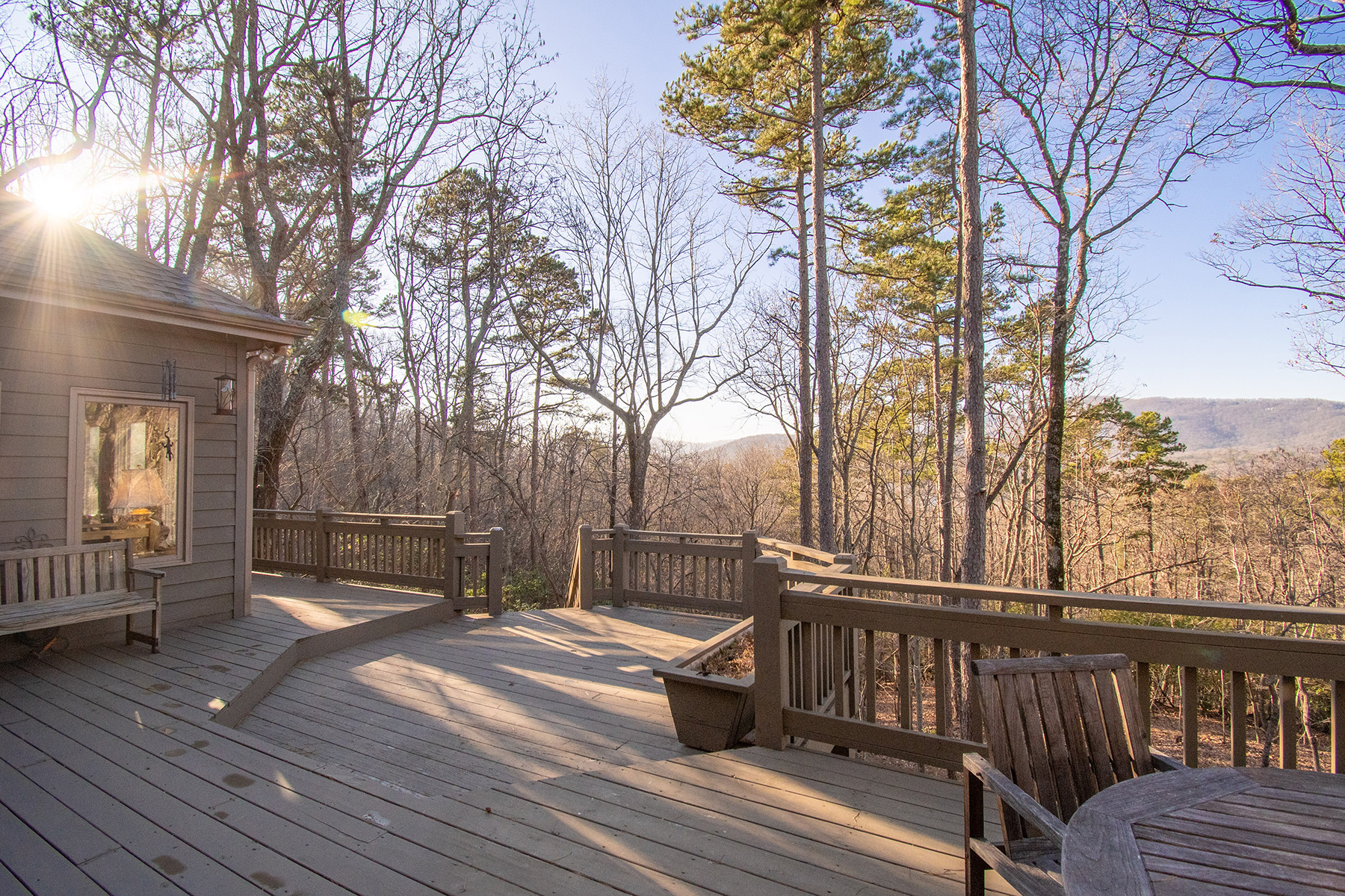 Additional photo for property listing at Large Mountain Home One Hour from Atlanta 100 Summit Drive, Jasper, Georgia 30143 Estados Unidos