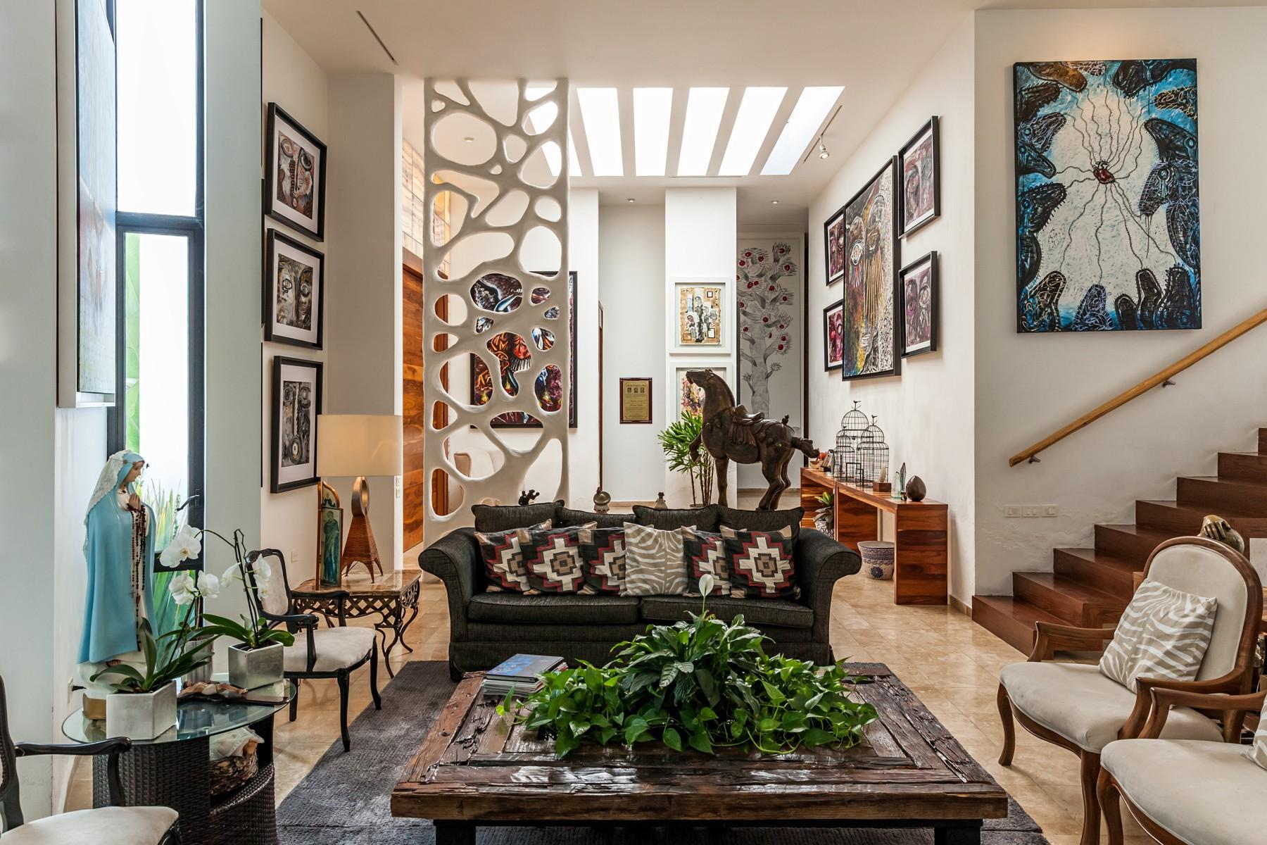 Single Family Homes 용 매매 에 Residencia Calli, Rinconada del Bosque, Zapopan AV. Inglaterra 7645 Casa 26 Manzana 1 Zapopan, Jalisco 45017 멕시코