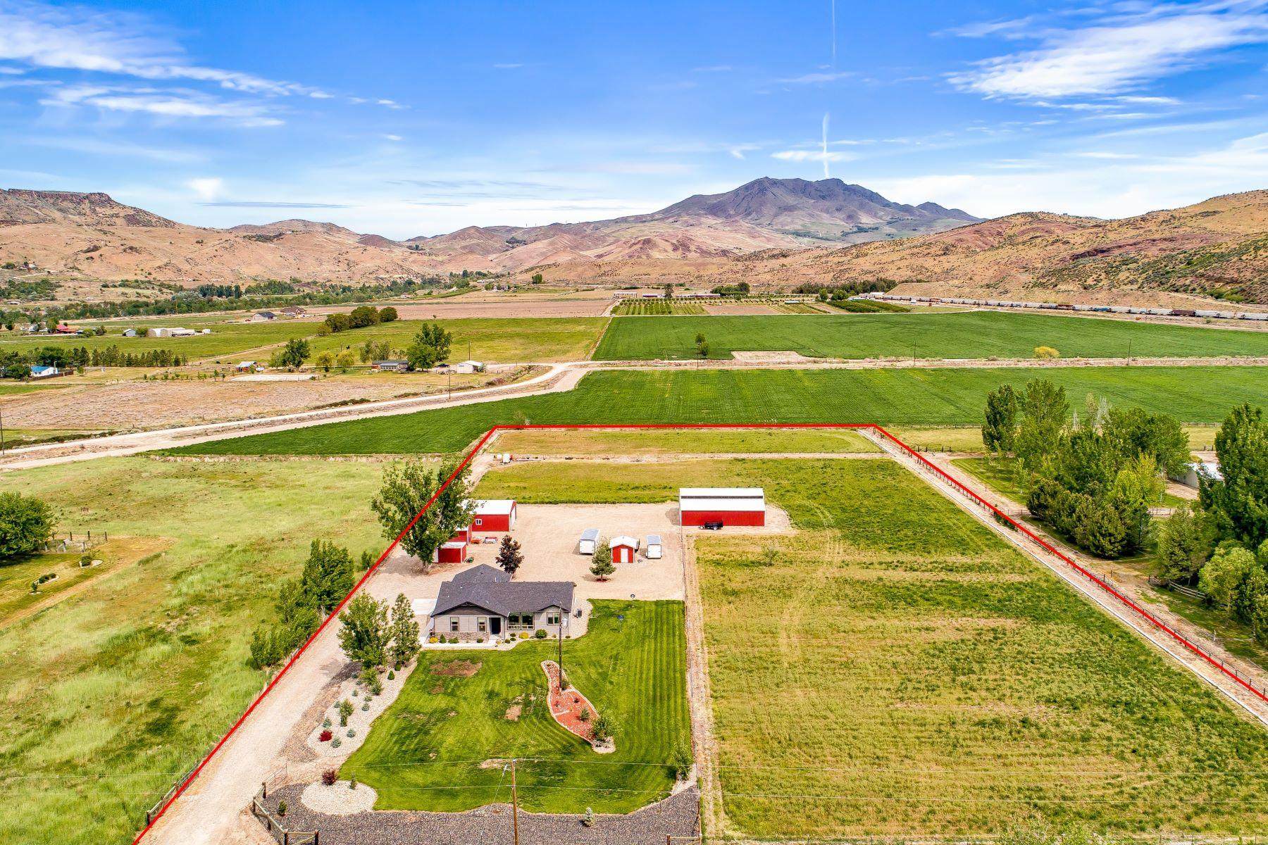 Single Family Homes for Active at 3450 Fuller Rd Emmett, Idaho 83617 United States