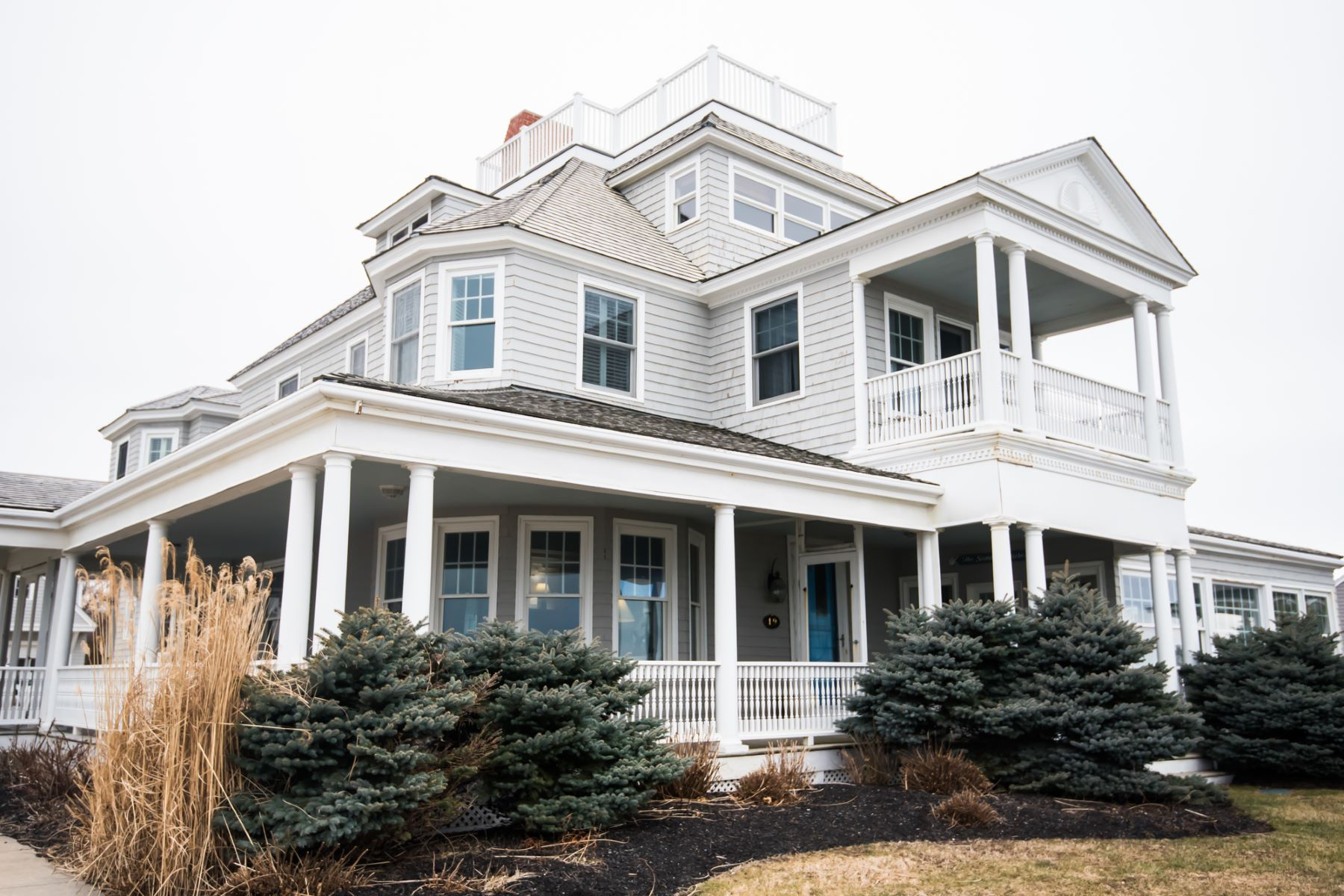 Single Family Home for Active at Minot Victorian 19 Glades Rd. Scituate, Massachusetts 02066 United States