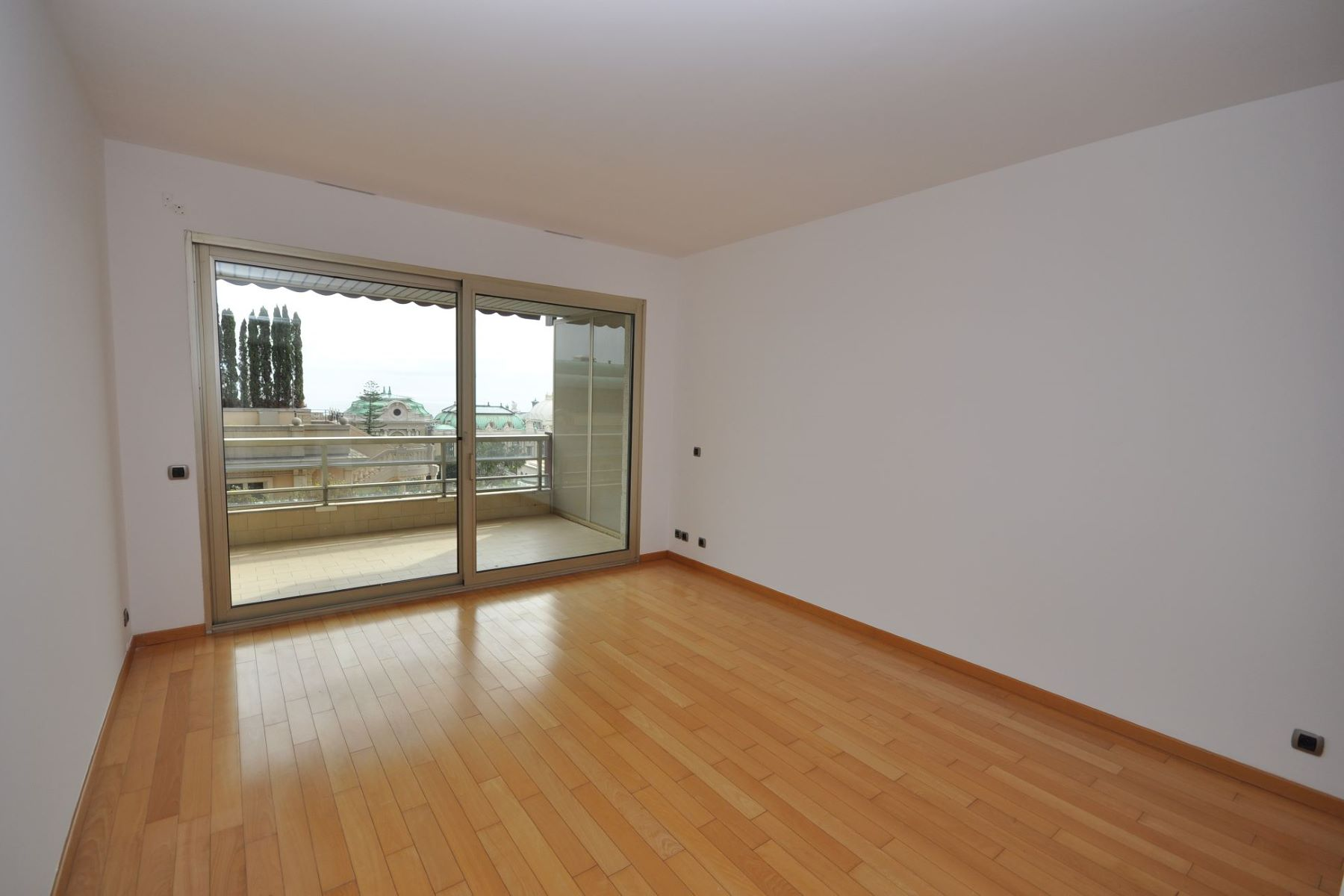 Appartement pour l à louer à Superb Studio to rent - Les Floralies, Carré d'Or. Les Floralies 5 Avenue de Grande Bretagne Monaco, La Condamine, 98000 Monaco