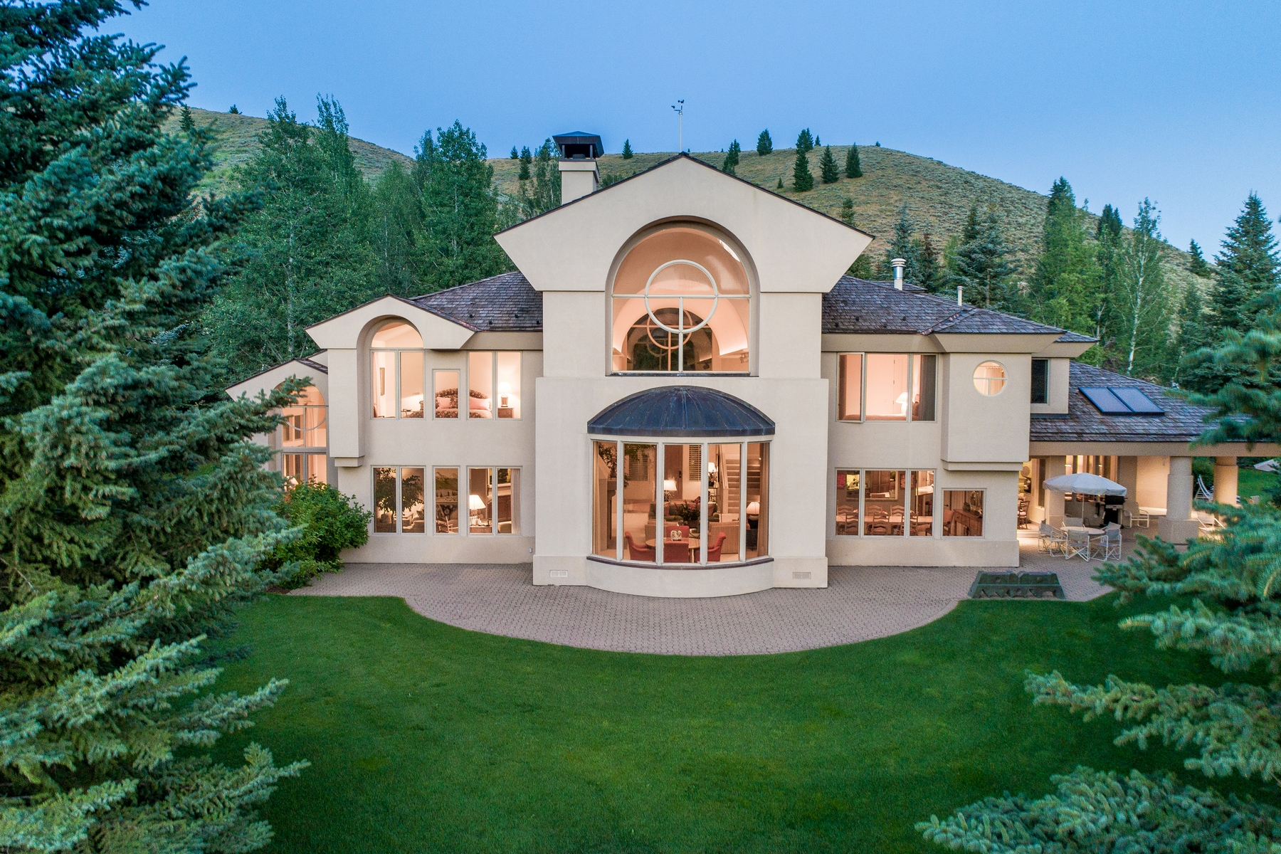 Casa Unifamiliar por un Venta en Barry Berkus Designed Home On Prime Bigwood Golf Course Property 195 S Bigwood Dr S, Ketchum, Idaho, 83340 Estados Unidos