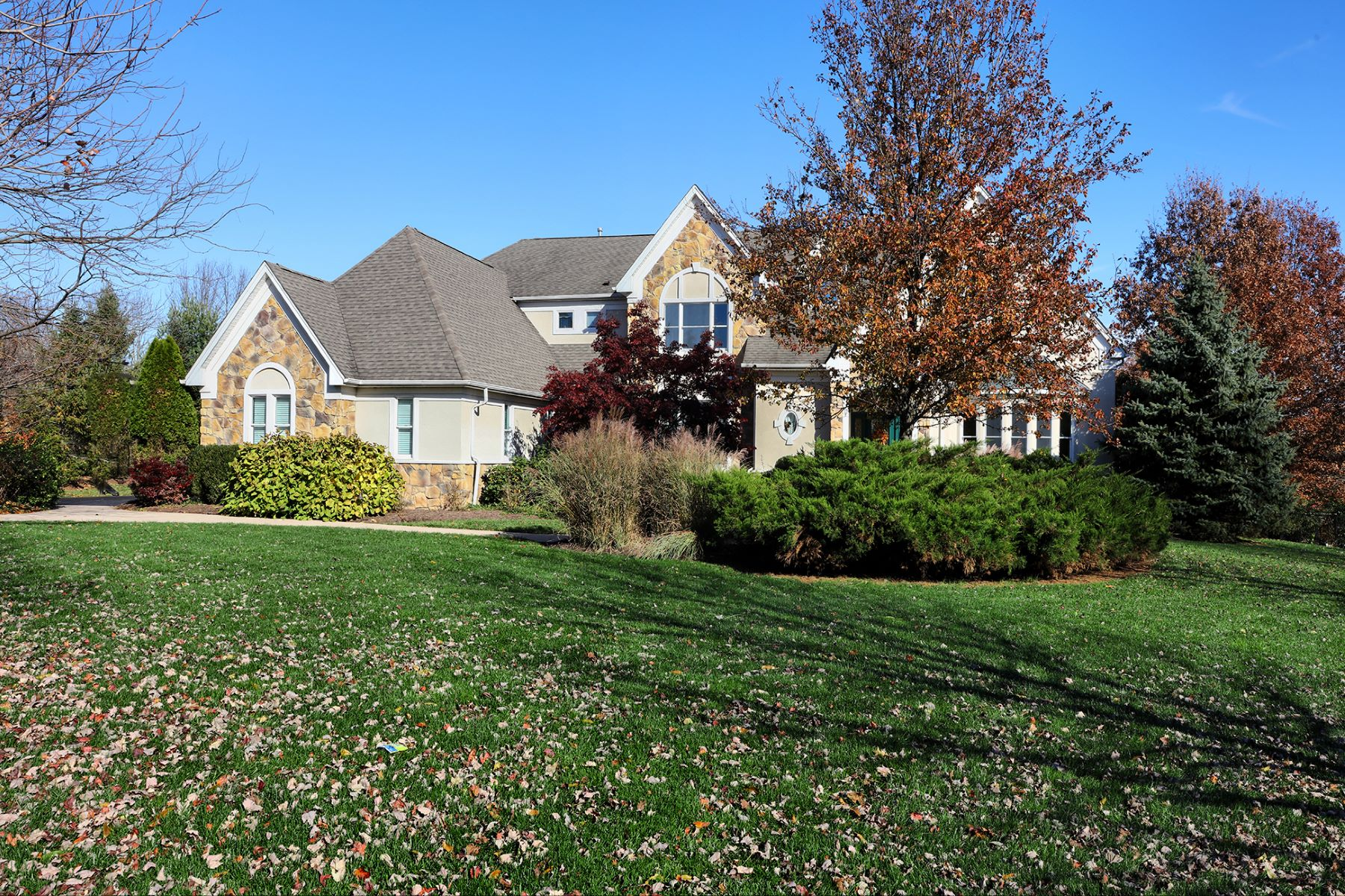 Additional photo for property listing at Distinctive Curb Appeal and Equally Impressive Interior 18 Moores Grove Court, Skillman, New Jersey 08558 United States