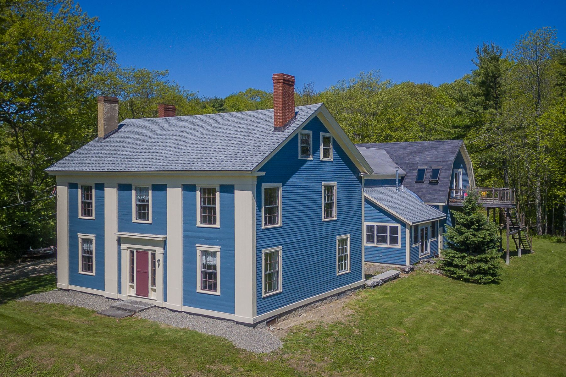 Moradia para Venda às 409 S Main St Winterport, Maine, 04496 Estados Unidos