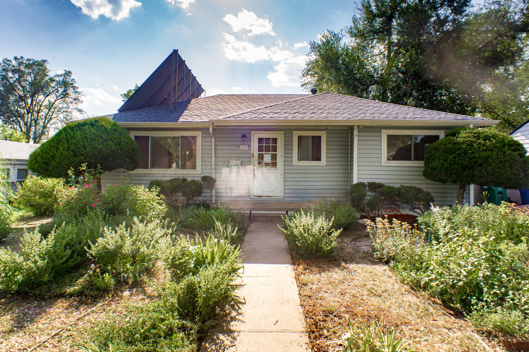 Single Family Home for Active at ESTATE SALE-GREAT OPPORTUNITY FOR SWEAT EQUITY OR FLIP! 4749 S Sherman St Englewood, Colorado 80013 United States