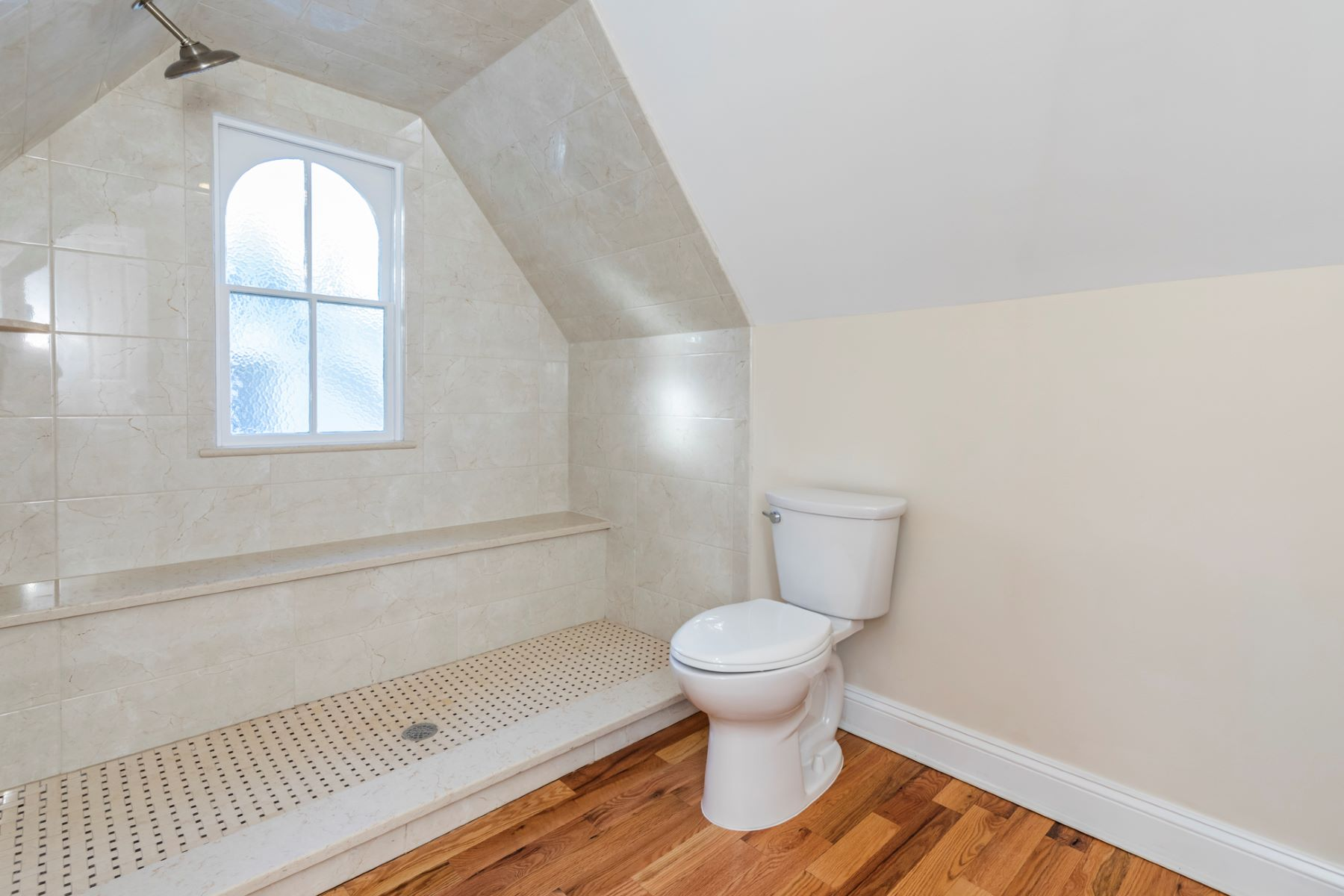 Additional photo for property listing at The Very Best Of Old And New 25 East Delaware Avenue, Pennington, New Jersey 08534 United States