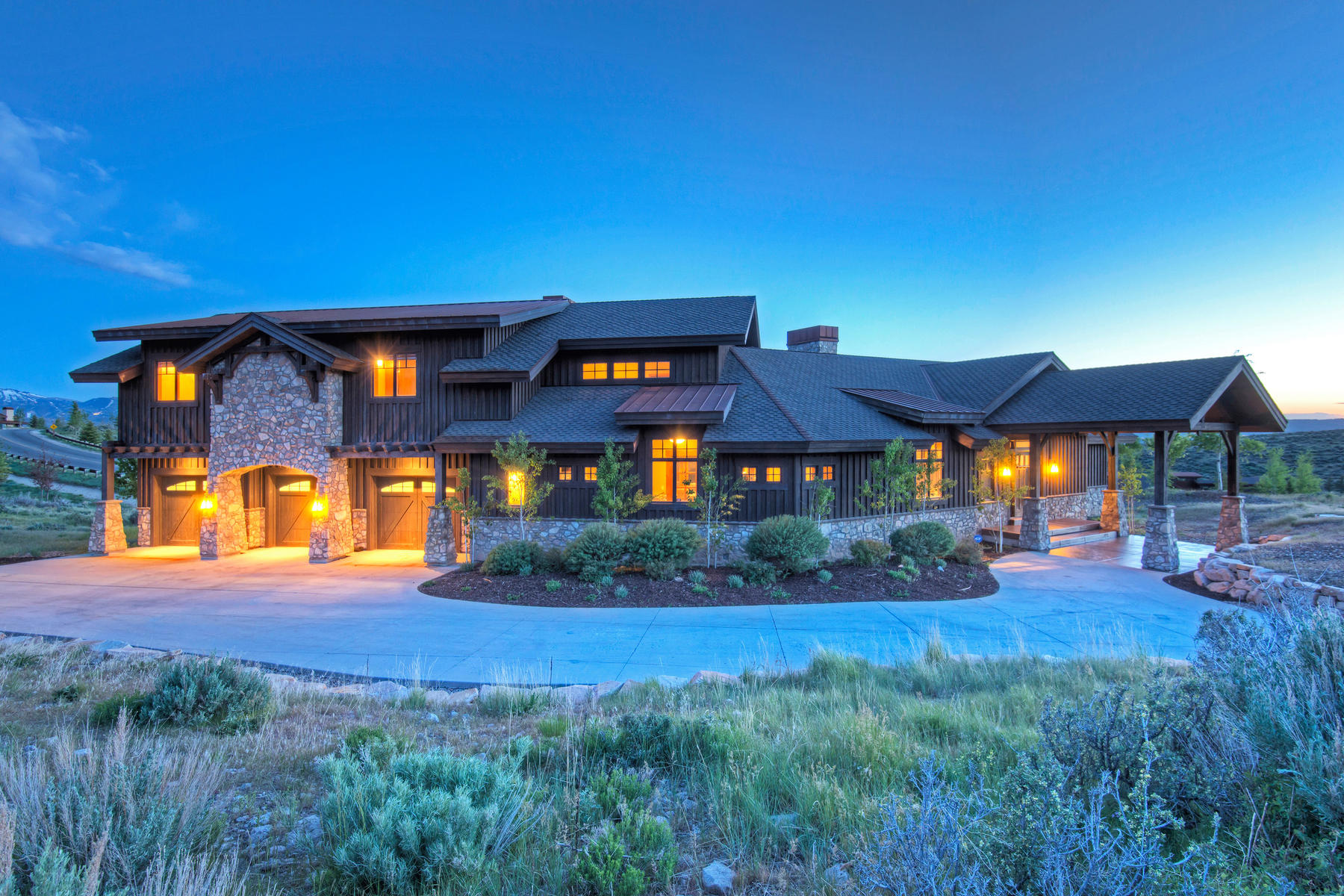 獨棟家庭住宅 為 出售 在 A Quality Home for All Seasons! 7436 Sage Meadow Rd Park City, 猶他州, 84098 美國
