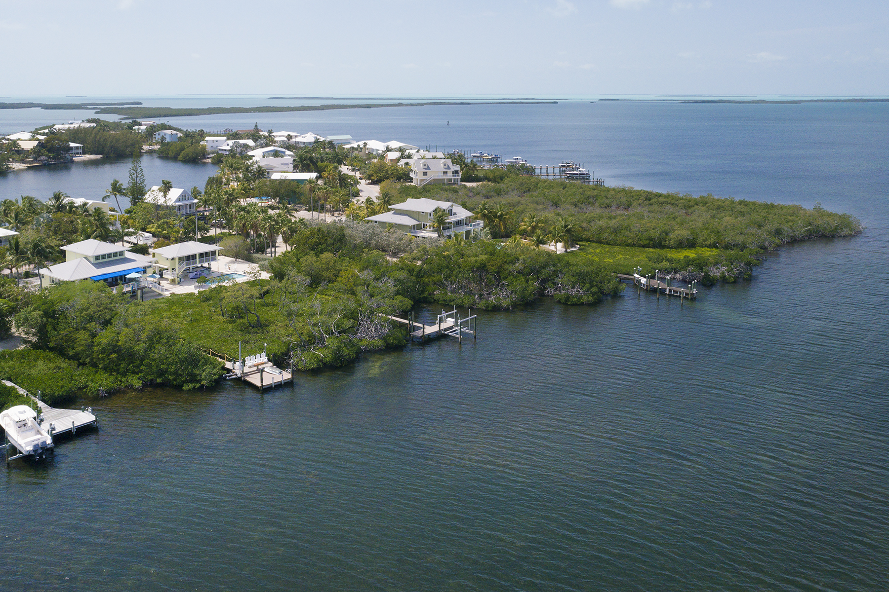 Additional photo for property listing at Exclusive Bayfront Home 45 Mutiny Place Key Largo, Florida 33037 Amerika Birleşik Devletleri