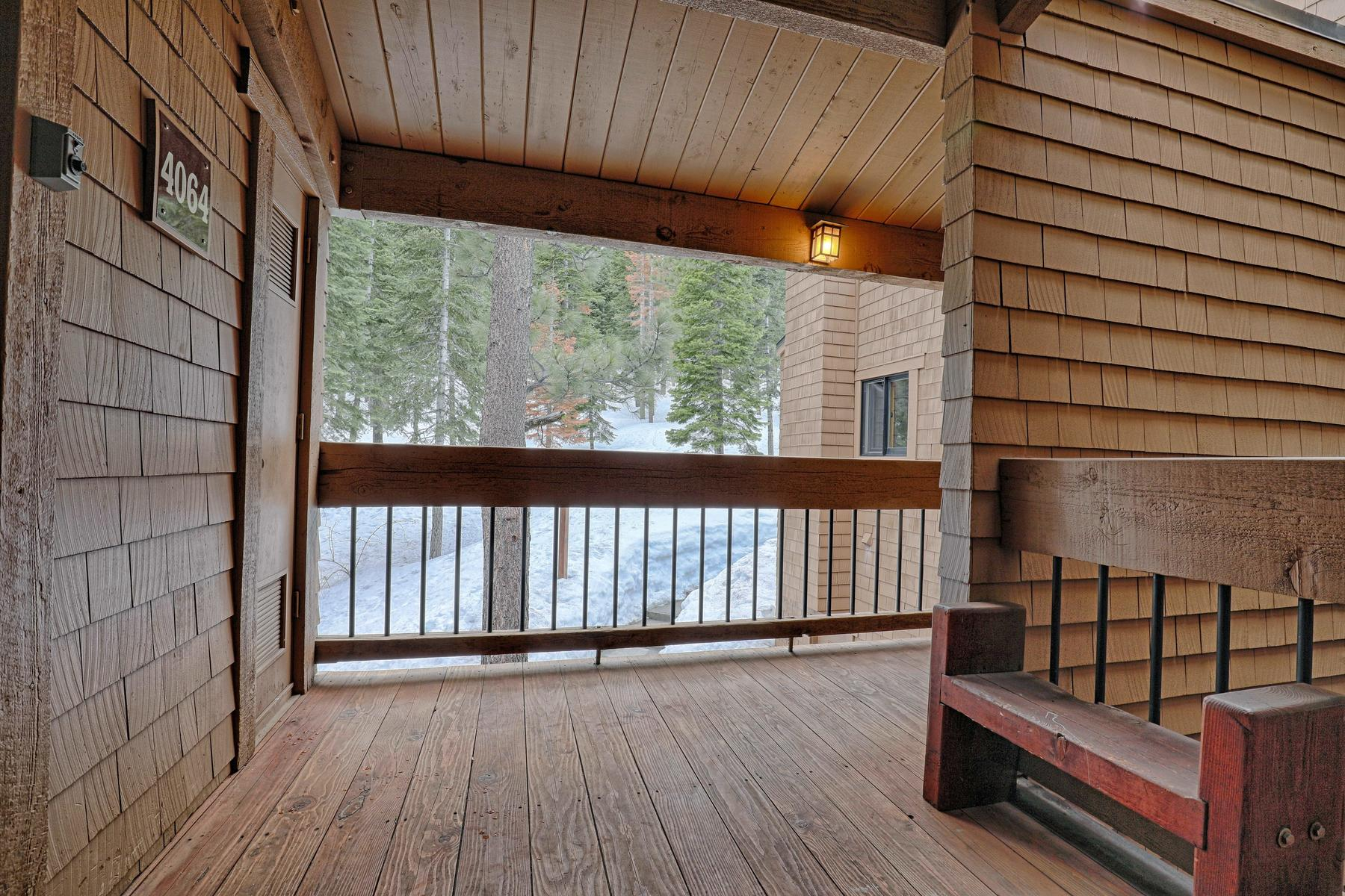 Additional photo for property listing at 4062 Coyote Fork #4, Truckee, CA 96161 4062 Coyote Fork #4 Truckee, California 96161 United States