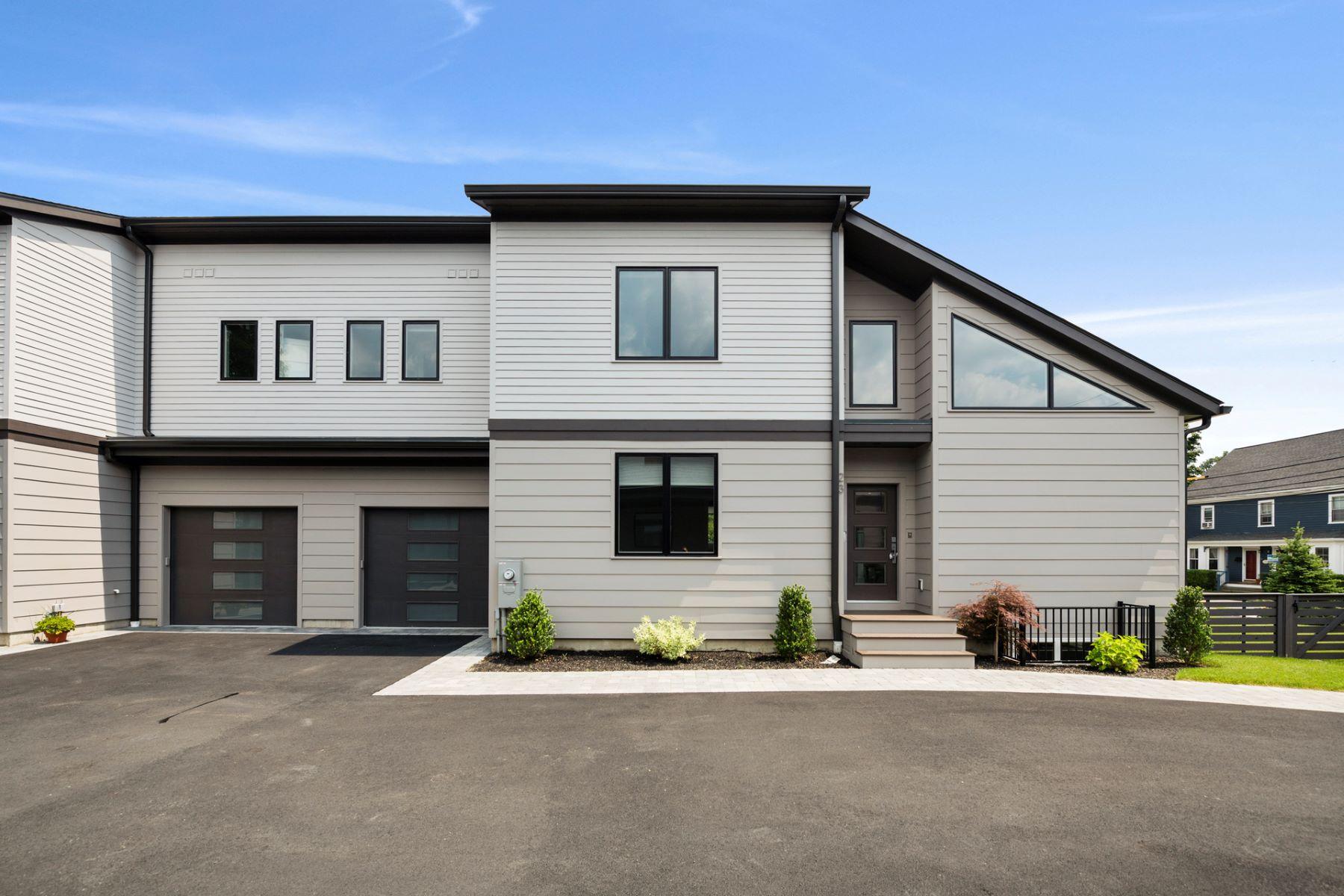 Single Family Homes για την Πώληση στο Newton, Μασαχουσετη 02466 Ηνωμένες Πολιτείες