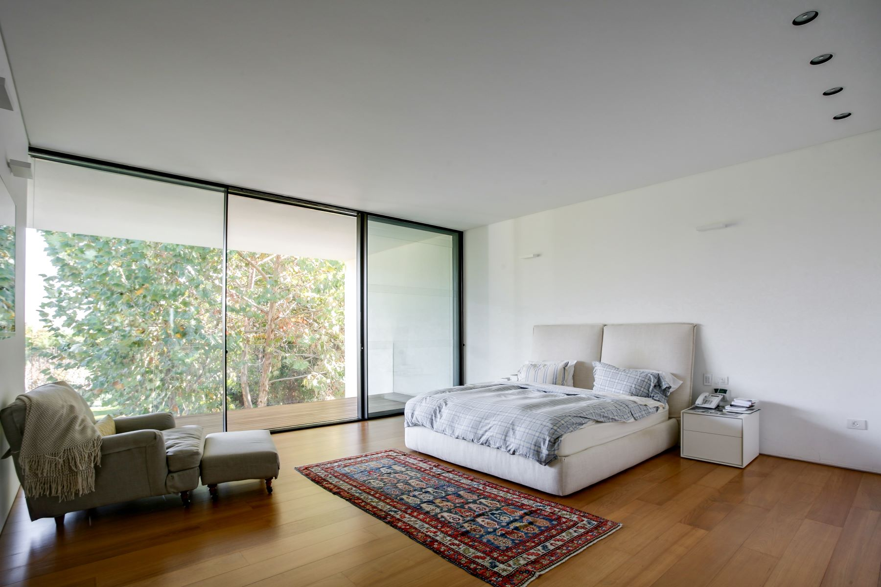 Additional photo for property listing at Exquisite Modern House Designed by Pitsou Kedem Kfar Shmaryahu, Israel Israël