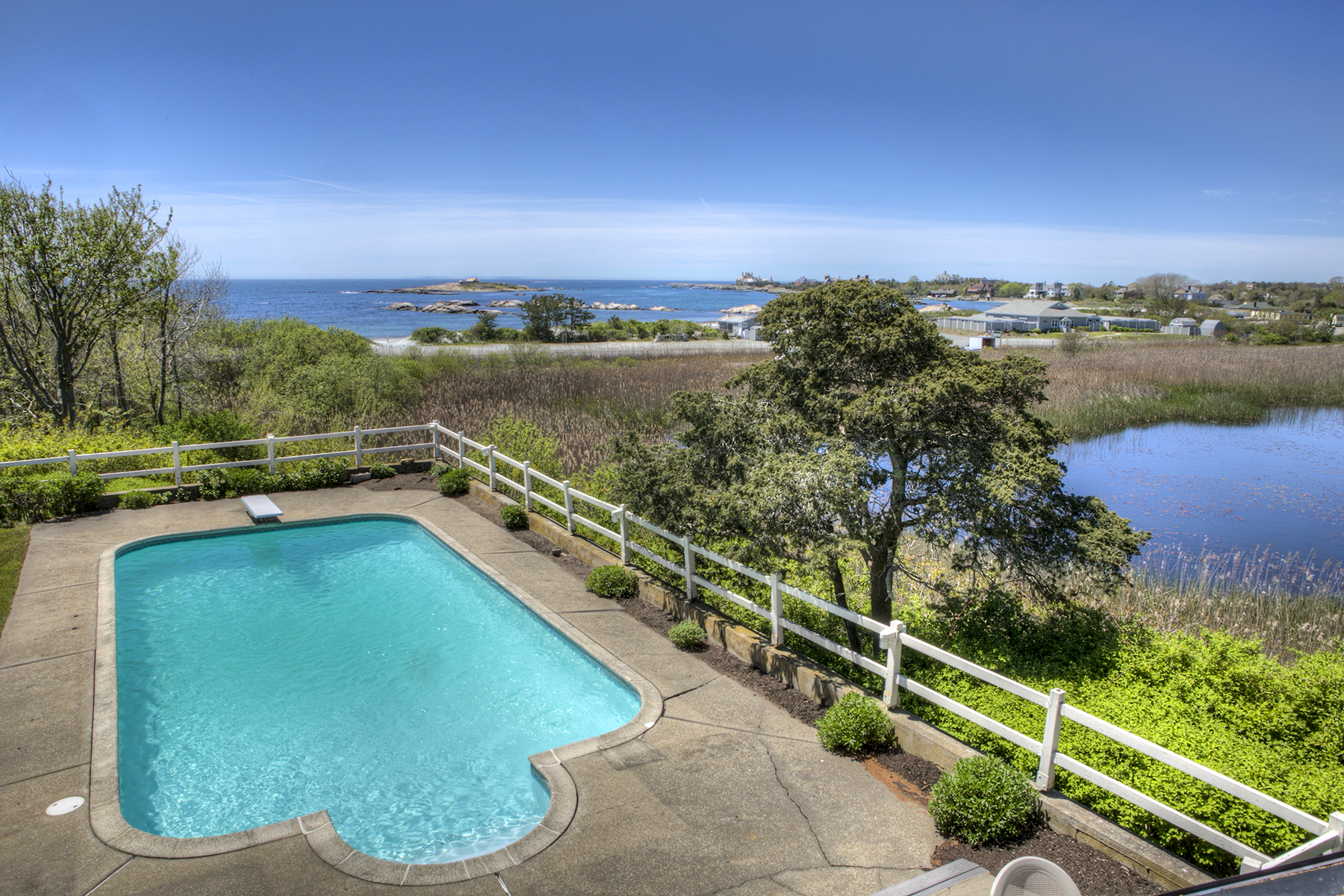 Additional photo for property listing at Hexagon House 123 Ocean Avenue Newport, Rhode Island 02840 United States