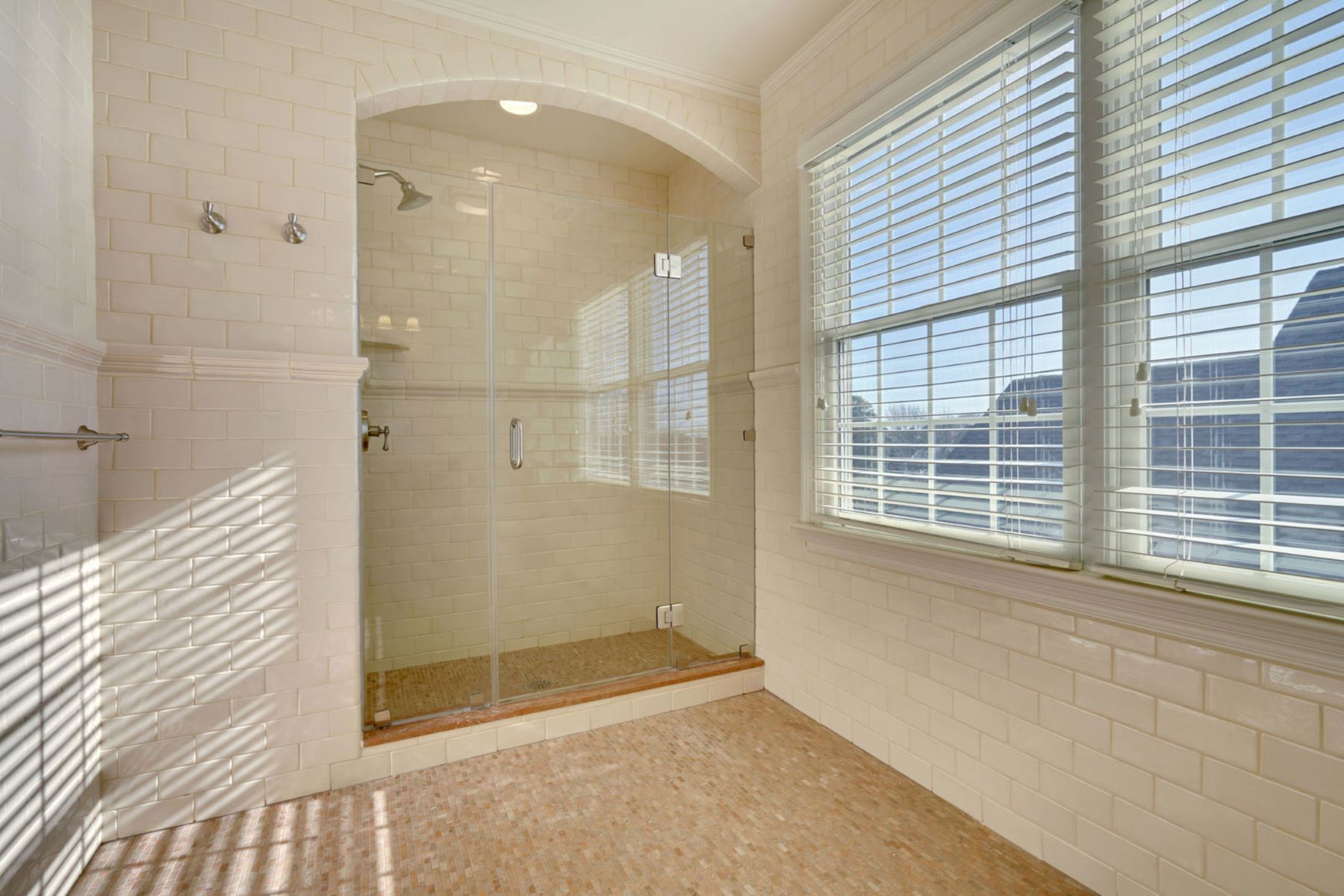 Additional photo for property listing at Casual Elegance 302 Beacon Boulevard, Sea Girt, Нью-Джерси 08750 Соединенные Штаты