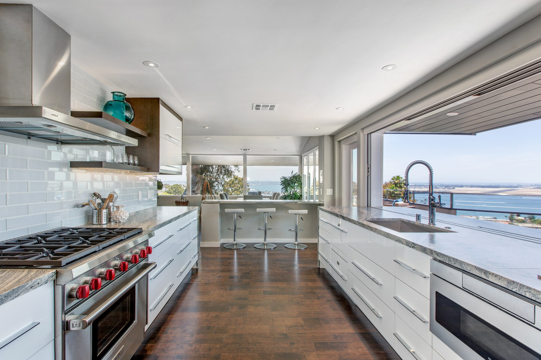 단독 가정 주택 용 매매 에 418 La Crescentia San Diego, 캘리포니아, 92106 미국