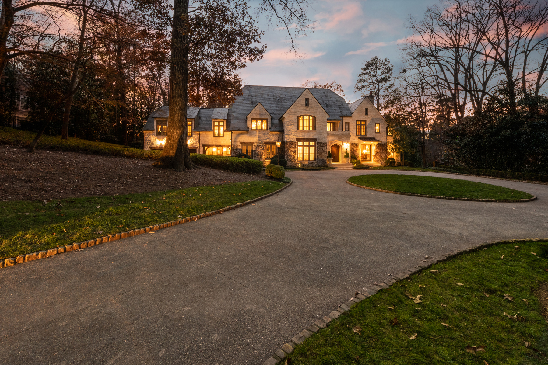 Single Family Homes for Sale at Stunning Gated Estate Property 3200 Ridgewood Road NW, Atlanta, Georgia 30327 United States