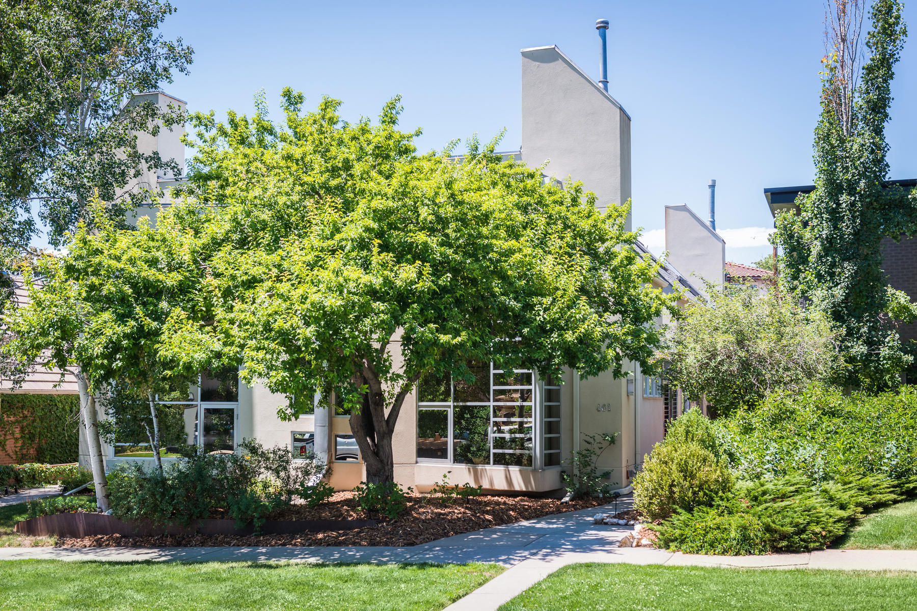 Single Family Home for Sale at Remarkable Residence 461 Fillmore Street Denver, Colorado, 80206 United States
